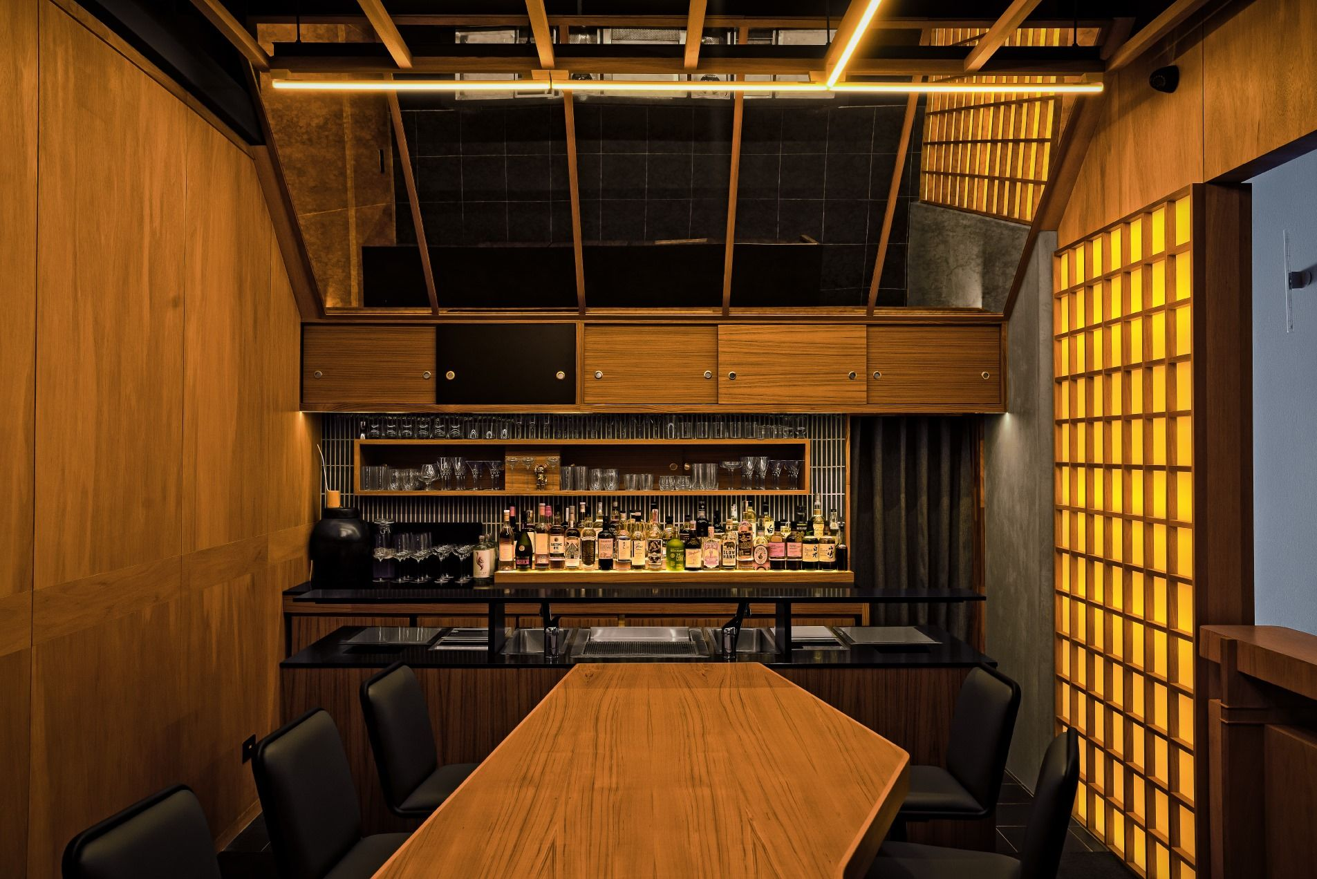 The retro interiors of Live Twice are inspired by a Japanese take on mid-century modern aesthetics (Photo: Courtesy of Jigger & Pony)