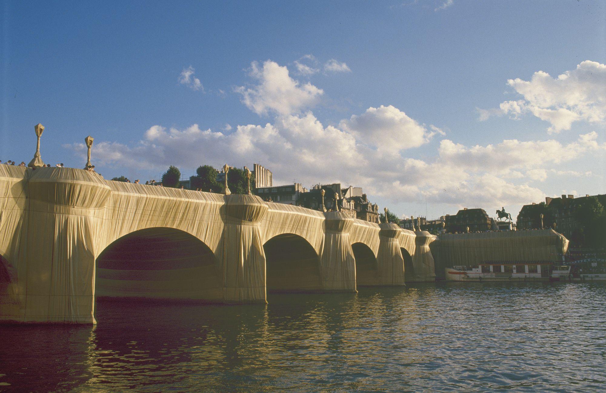 The Pont-Neuf Wrapped, Paris, 1975-1985 (1985)