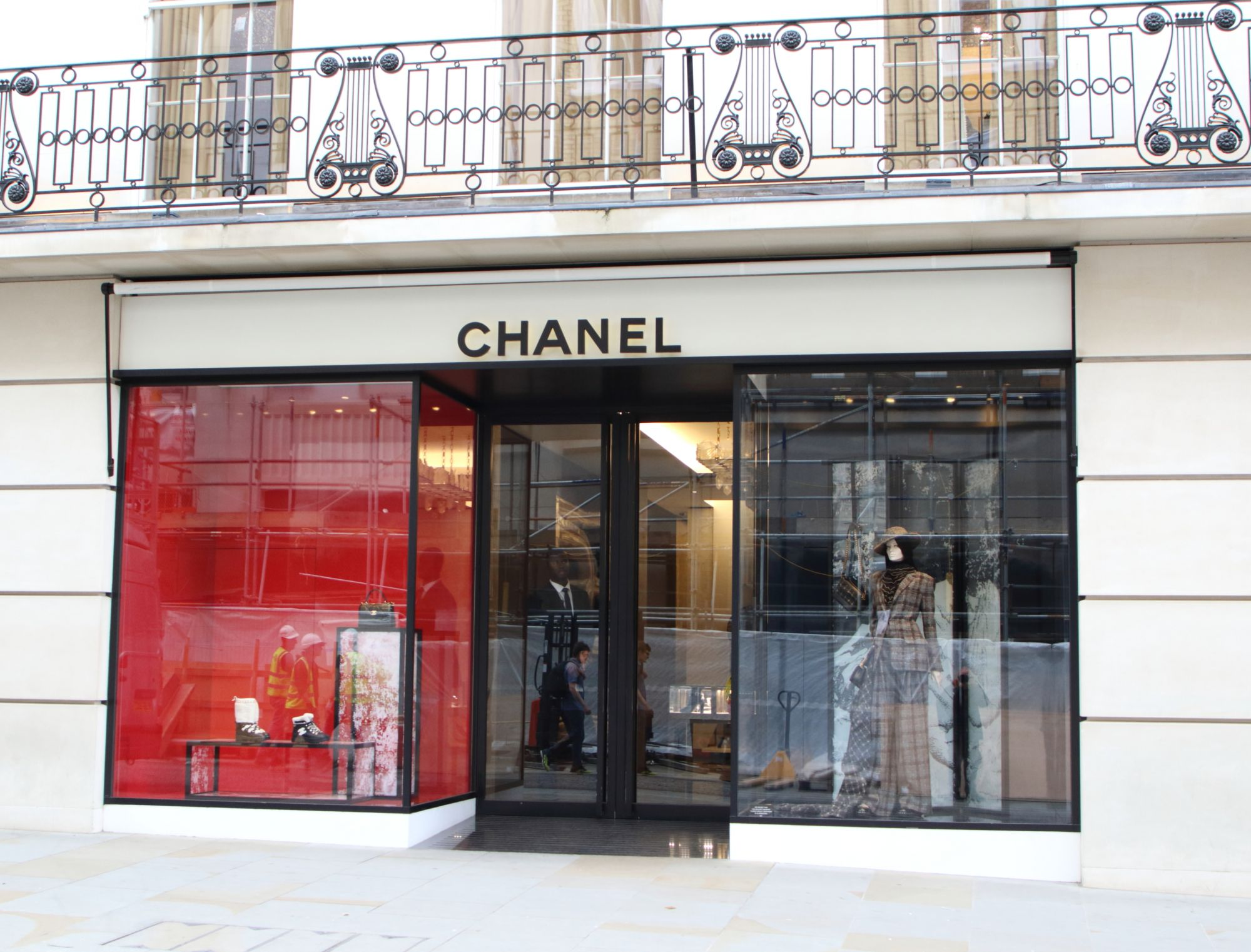 Chanel Reveals Its Plan To Shift To 100% Renewable Electricity By 2025