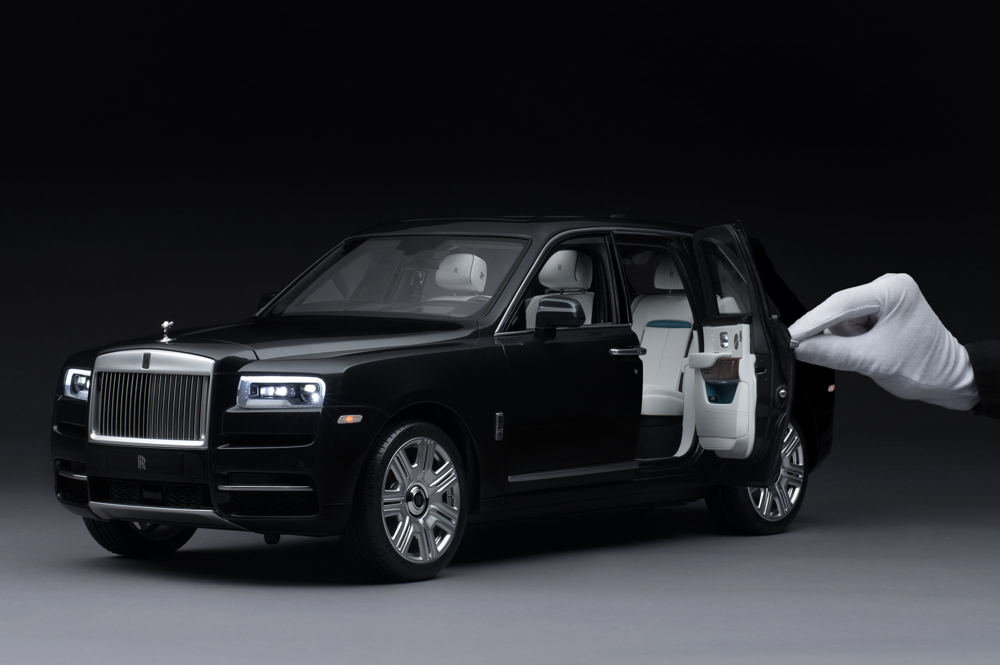 This Rolls-Royce Cullinan SUV Miniature Replica Features LED lights And A Branded Remote—And Costs US$27,000