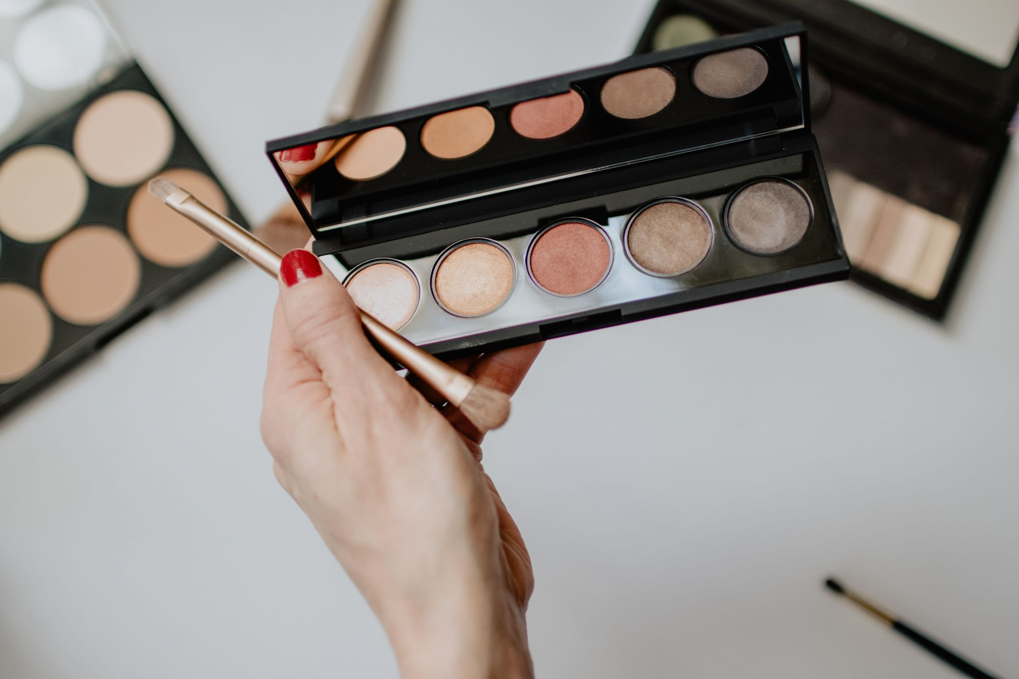 Face Mask Make-Up: 5 Eyeshadow Tutorials Featuring Cult Favourite Palettes