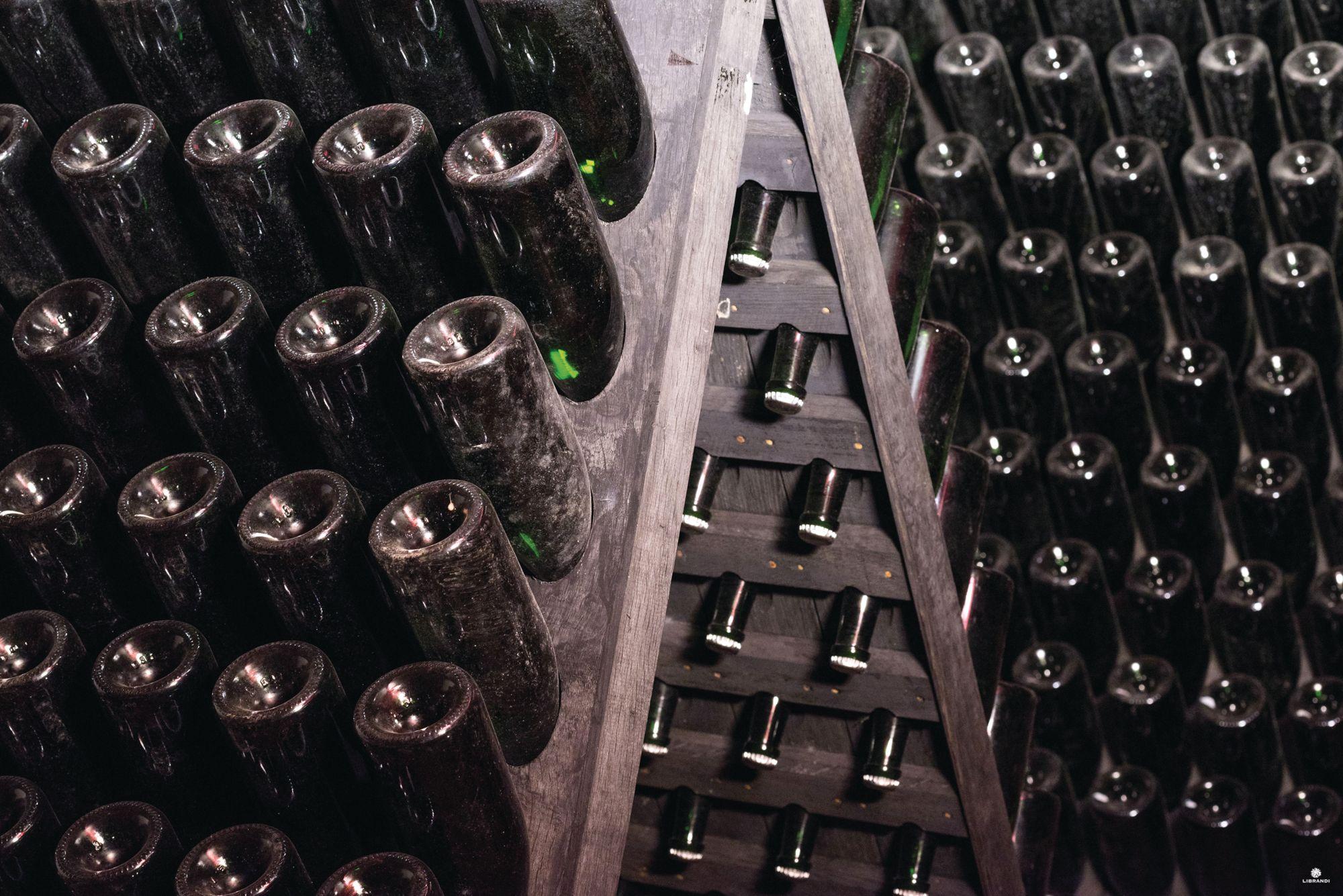 在義大利葡萄酒的世界裡,最迷人的不是赫赫有名的名牌,而是那些由小地主和小企業所管理的釀酒廠?