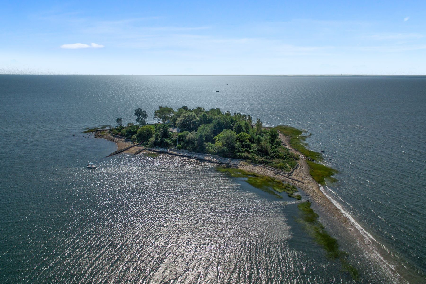 A Private Island Close To NYC Is On The Market For US$2.5M
