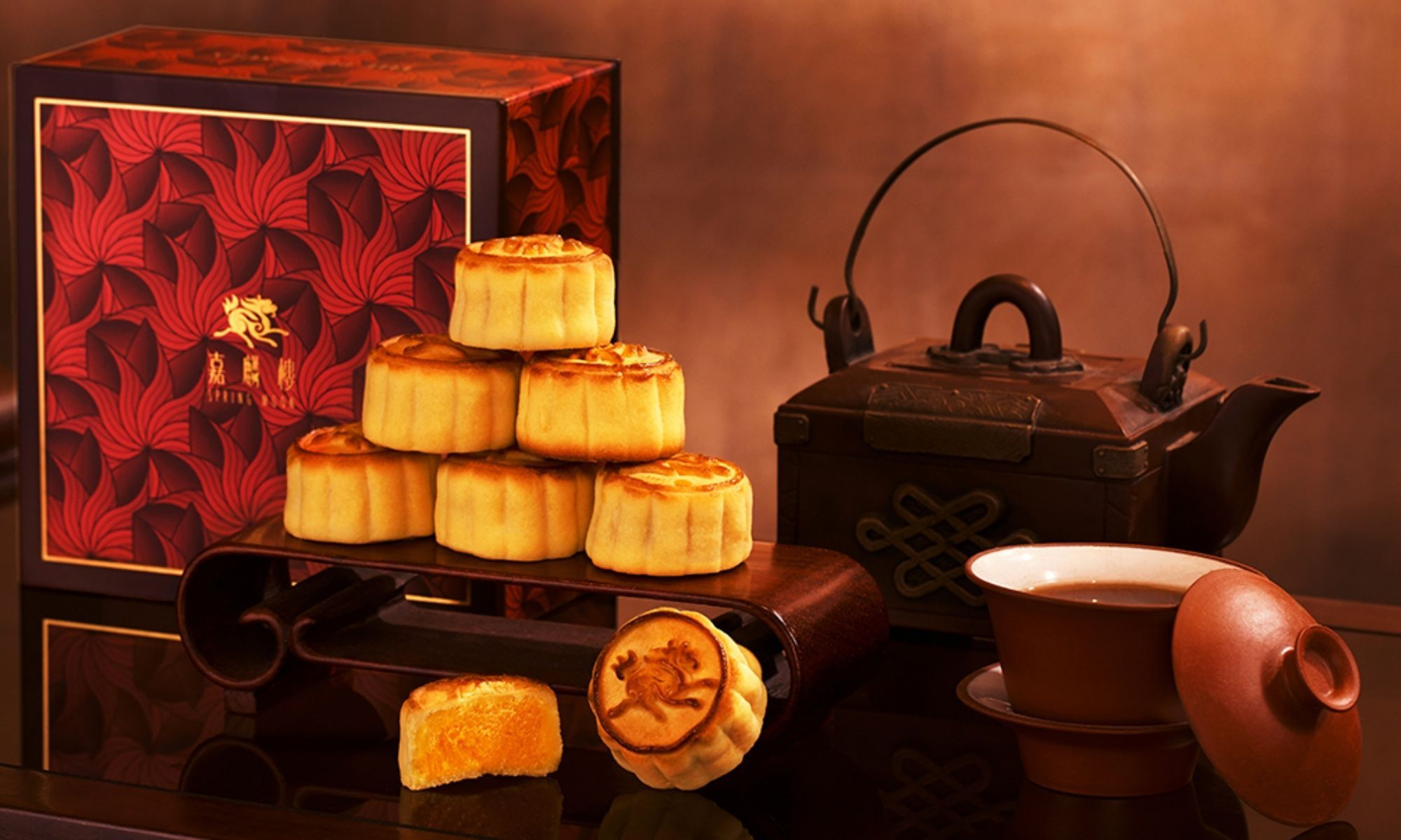Inside Hong Kong's Mid-Autumn Mooncake Obsession