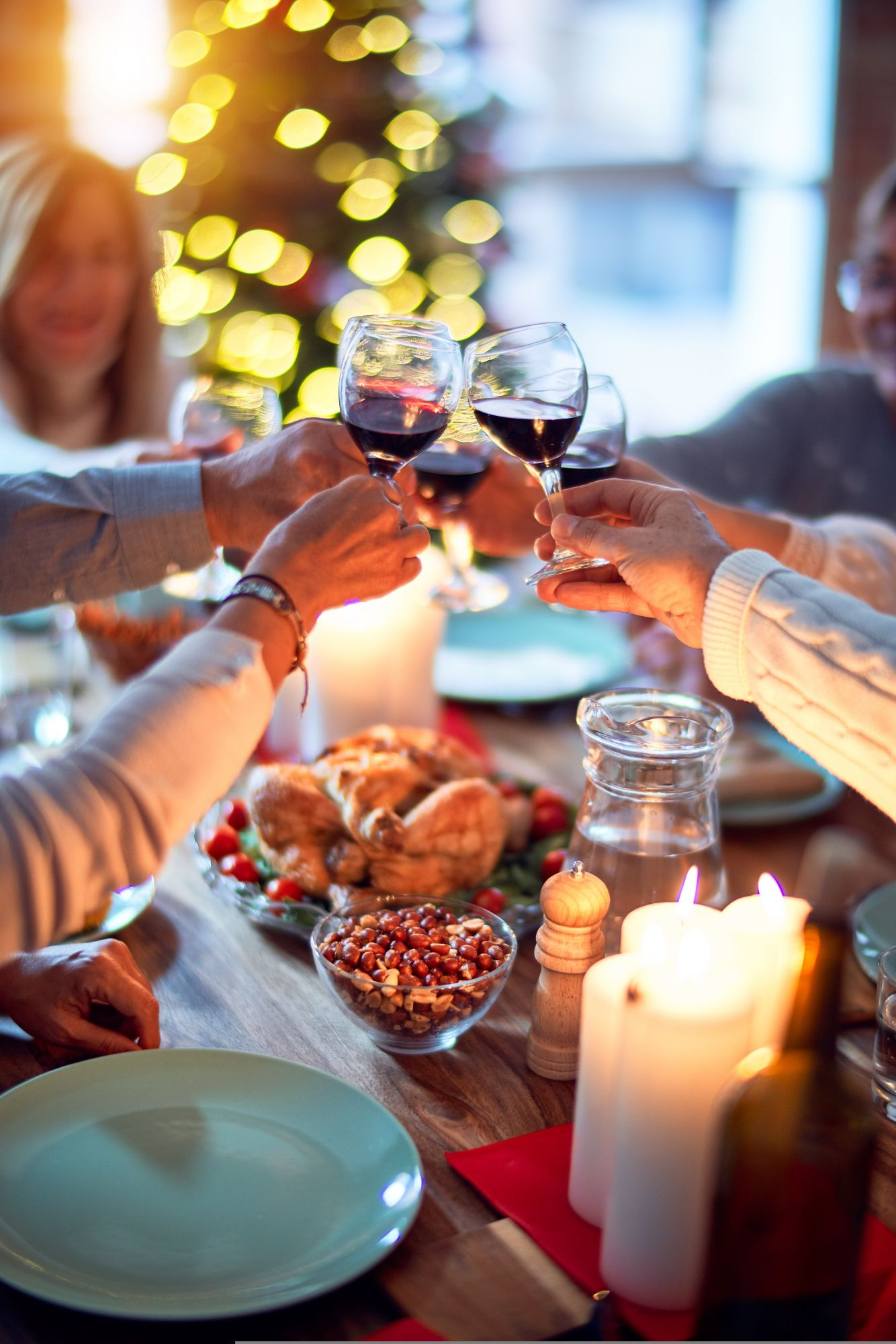 How To Create A Luxurious New Year's Eve Environment At Home