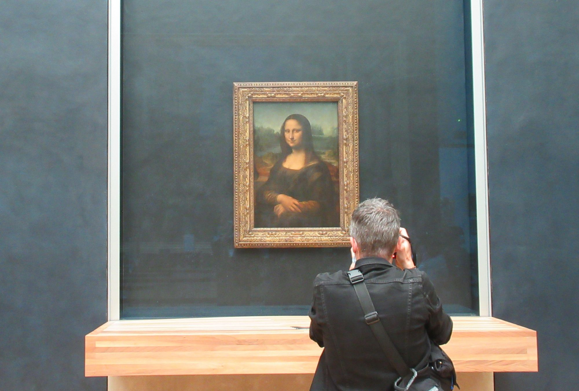 A Private Visit With Mona Lisa Has Fetched Nearly US$100K At Auction
