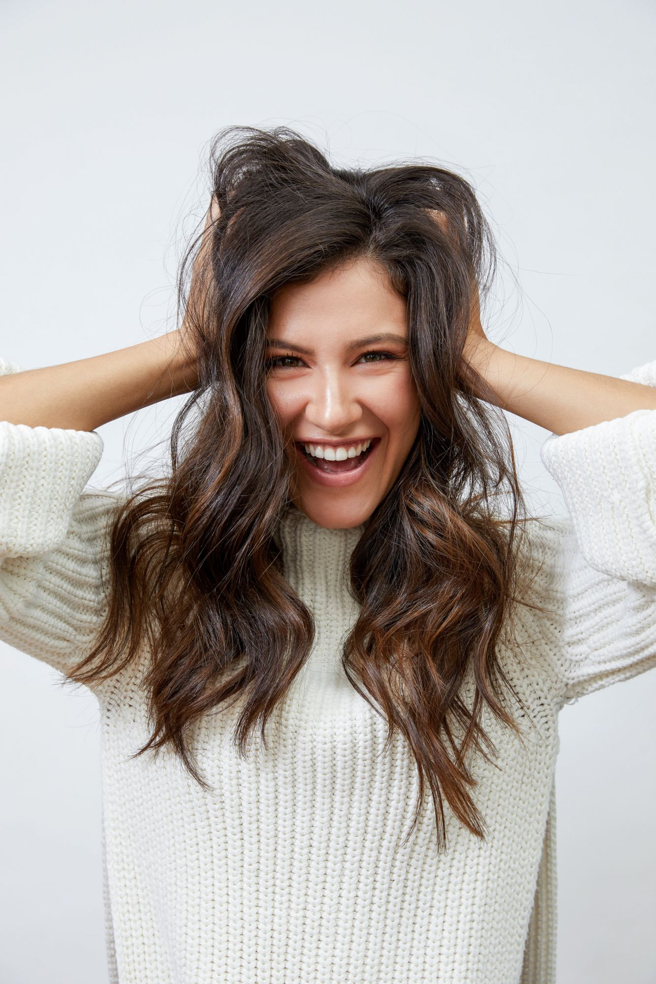 How To Keep Your Hair Healthy This Winter, According To The Experts