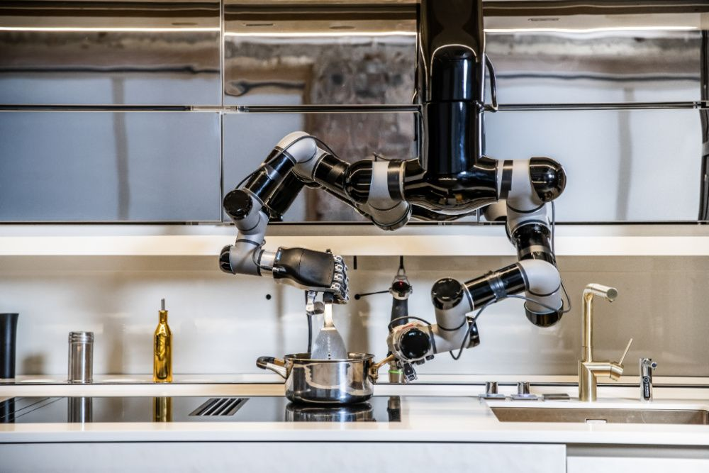 Moley Robotics unveiled a robotic kitchen at this year's virtual CES (photo: Courtesy Moley Robotics / Black Edge Productions)