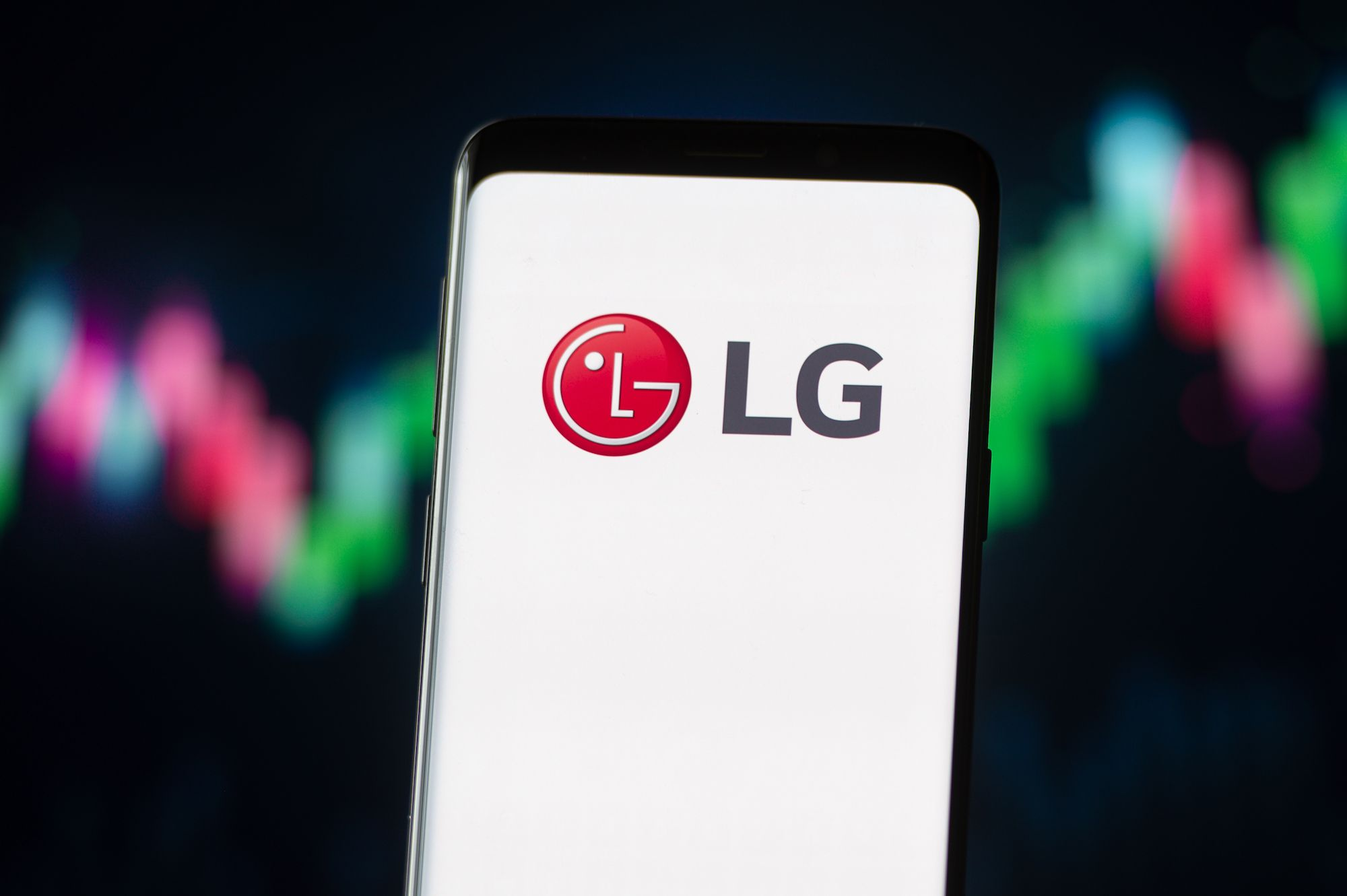 LG Has Unveiled Its Plans To Build A Rolling, Foldable Smartphone