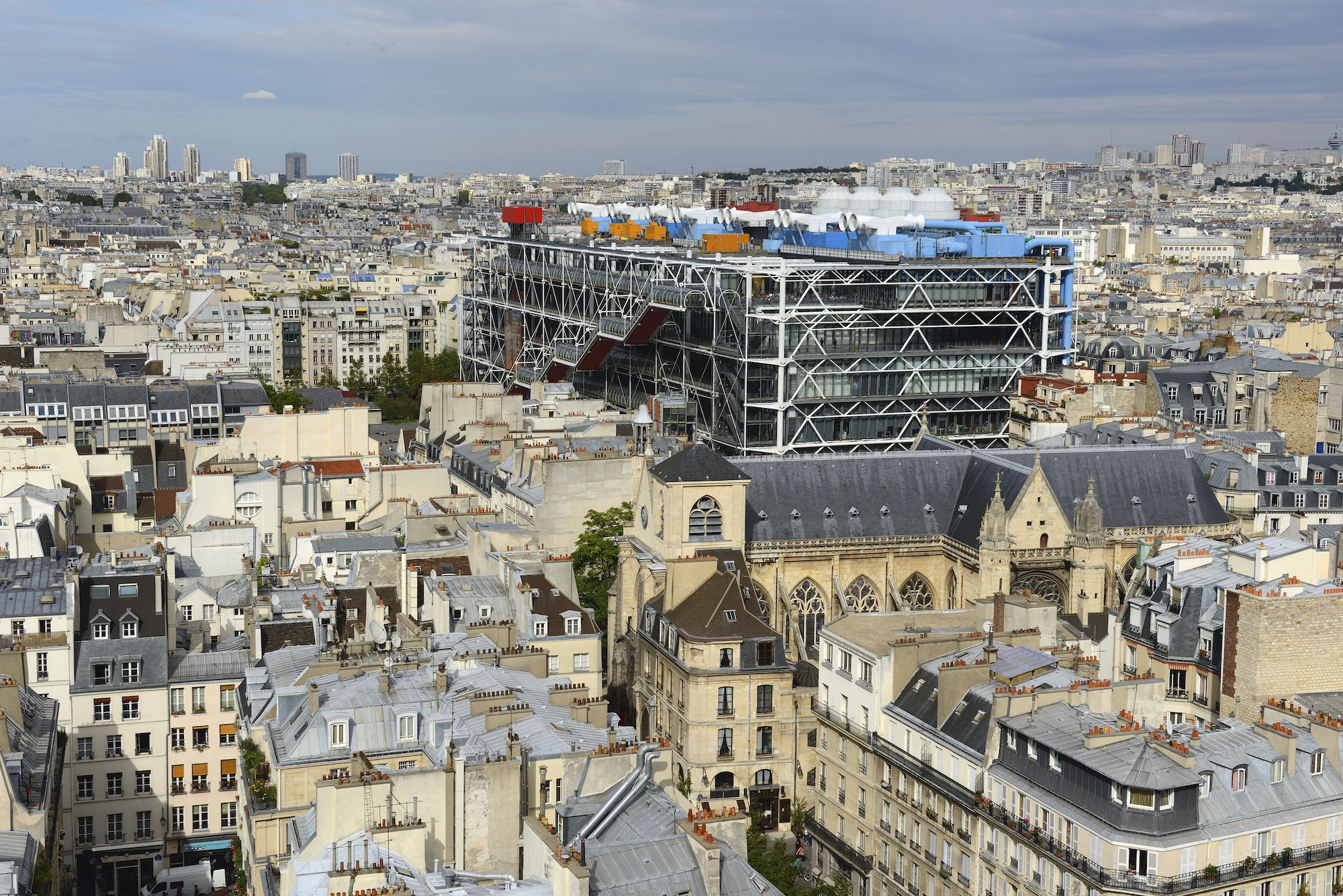 View on the Church of Saint-Merri and the Centre Georges Pompidou, in the Beaubourg area, from the Tour St-Jacques. This 52-metre Flamboyant Gothic tower, leveled shortly after the French Revolution, is located in the 4th arrondissement of Paris.