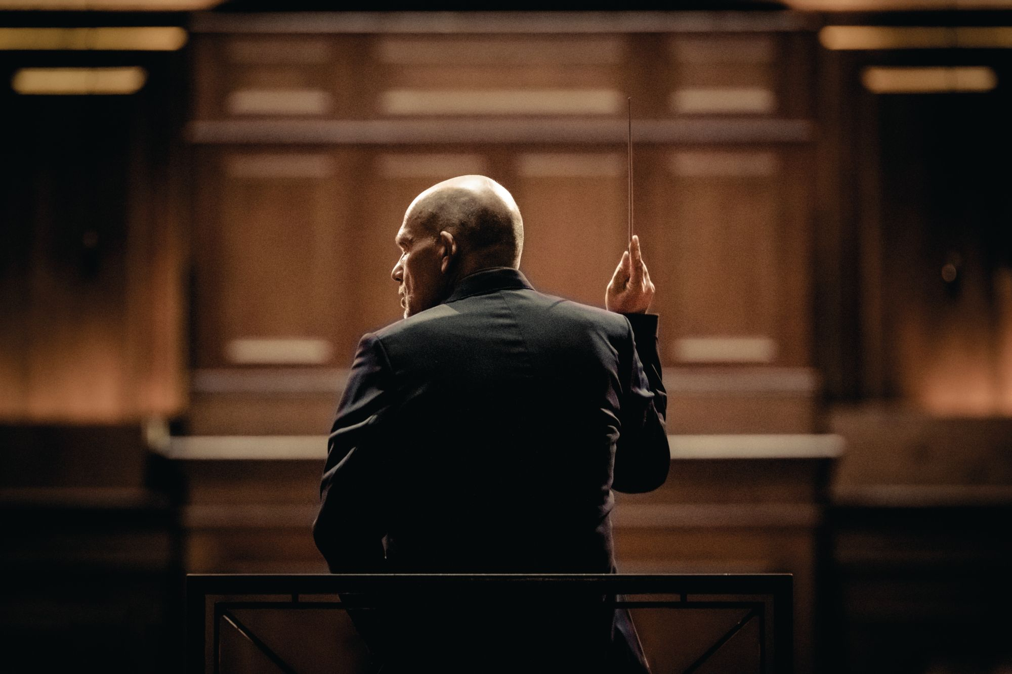 Van Zweden conducting
