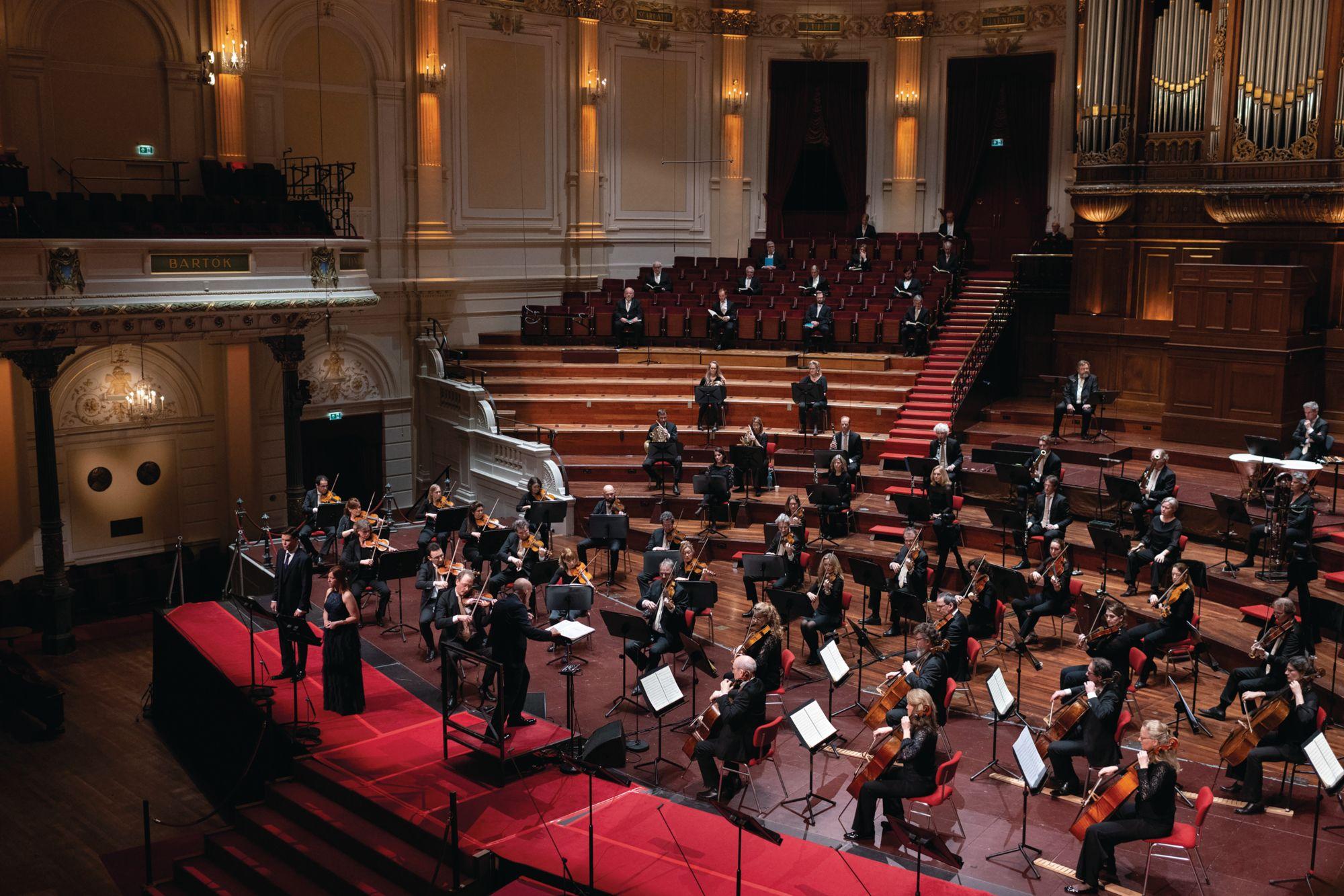 The Netherlands Radio Philharmonic Orchestra and Van Zweden (Photo: Simon Van Boxtel/The Netherlands Radio Philharmonic Orchestra)