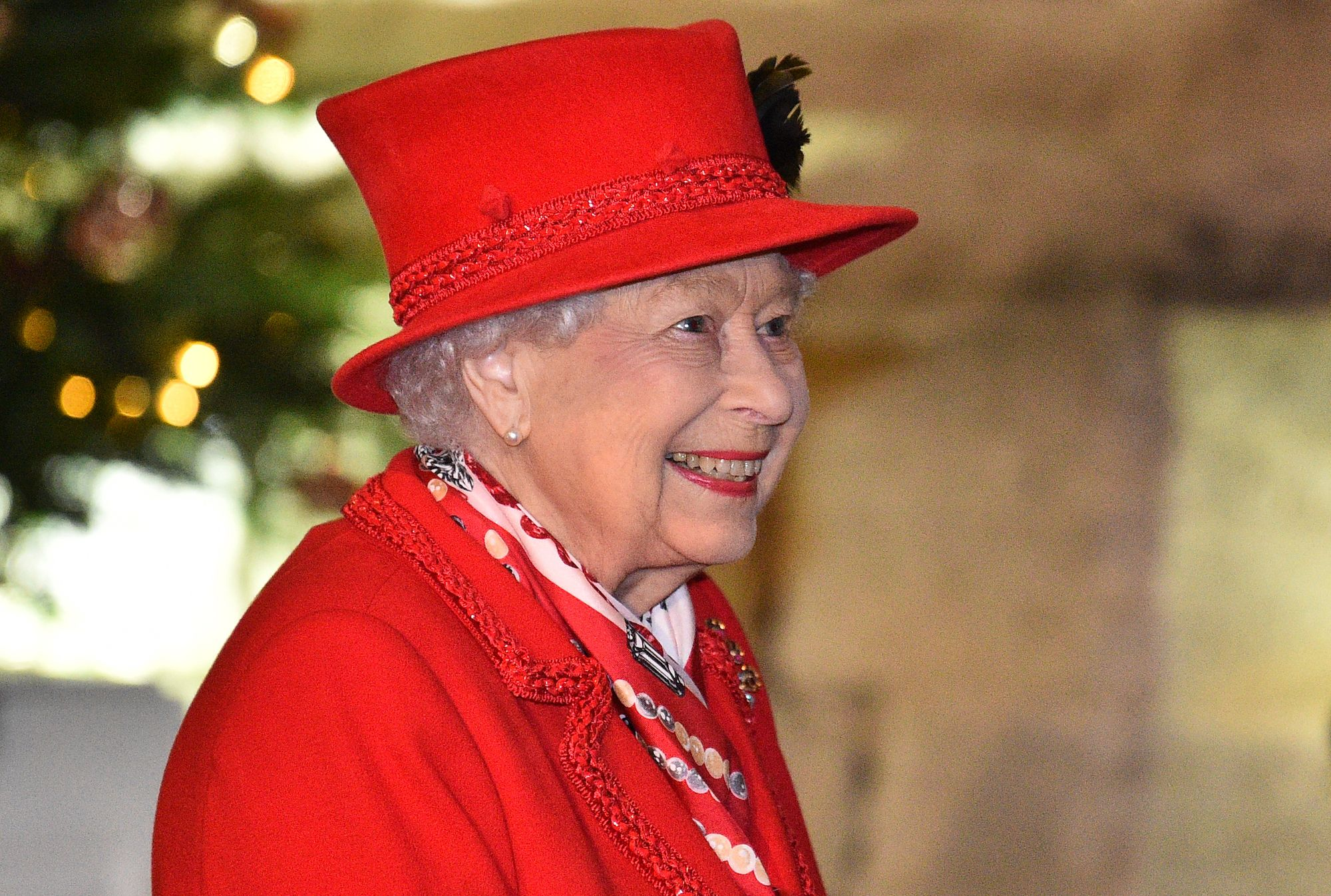 Queen Elizabeth To Make TV Appearance Hours Before Harry and Meghan's Oprah Interview
