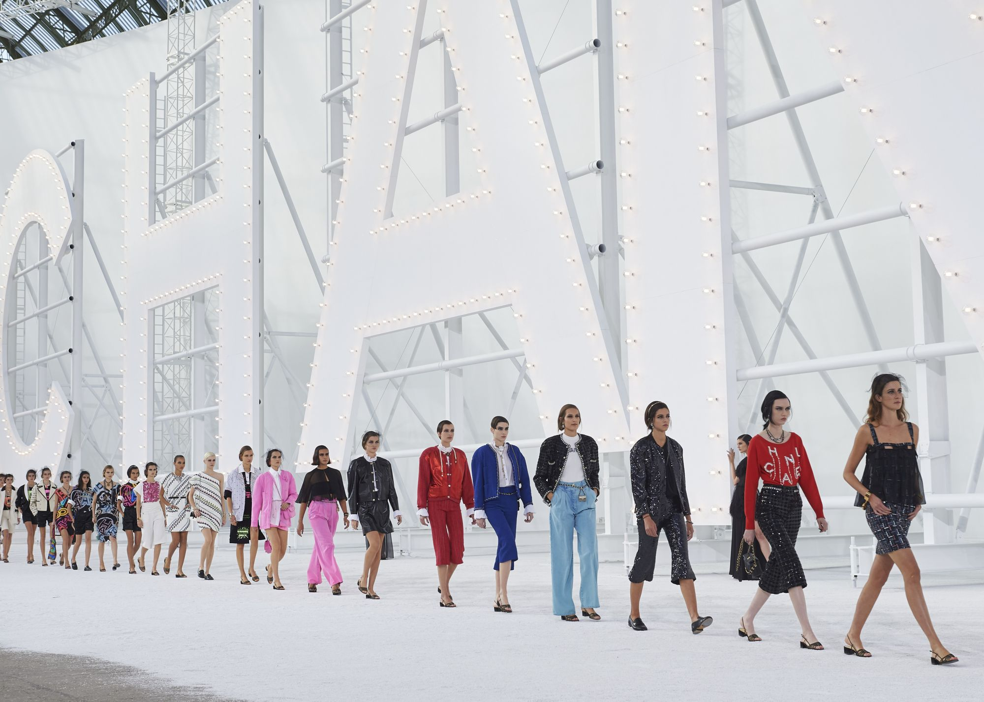 Your Guide To Digital Paris Fashion Week FW21
