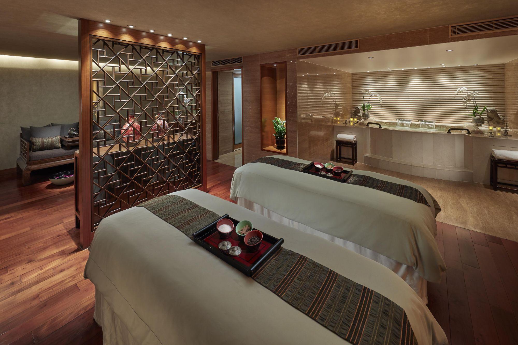 Mandarin-Oriental-Hong-Kong-Hotel-Spa-The-Mandarin-Kukui-Suite