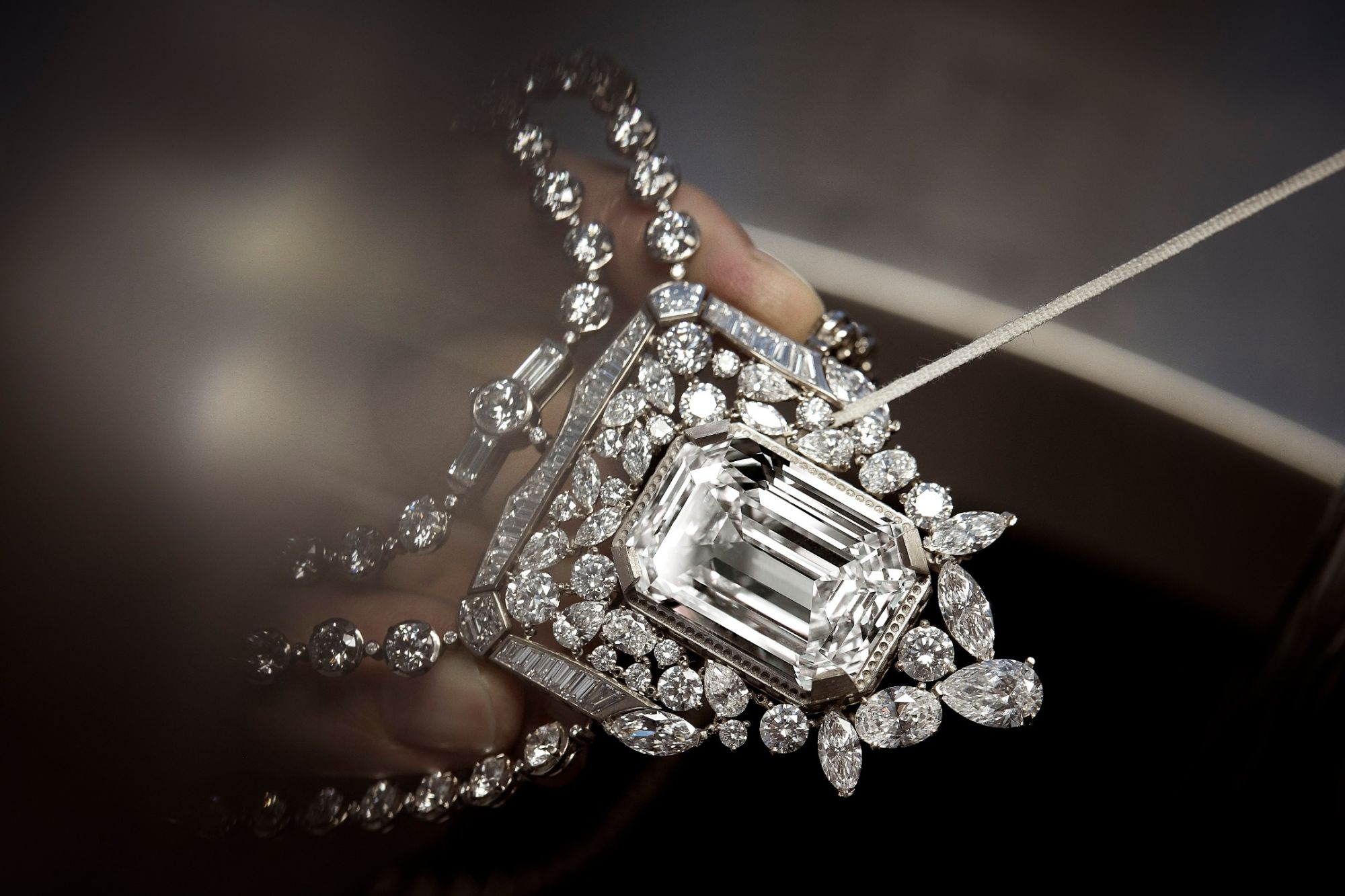 Chanel Pays Homage To N°5 Perfume With A 55.55-Carat Diamond Necklace