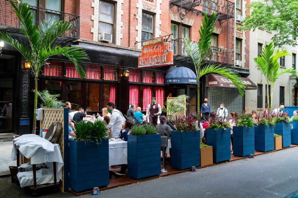 Carbone in New York City, pictures mid-2020, open for outdoor dining (photo: Getty Images)