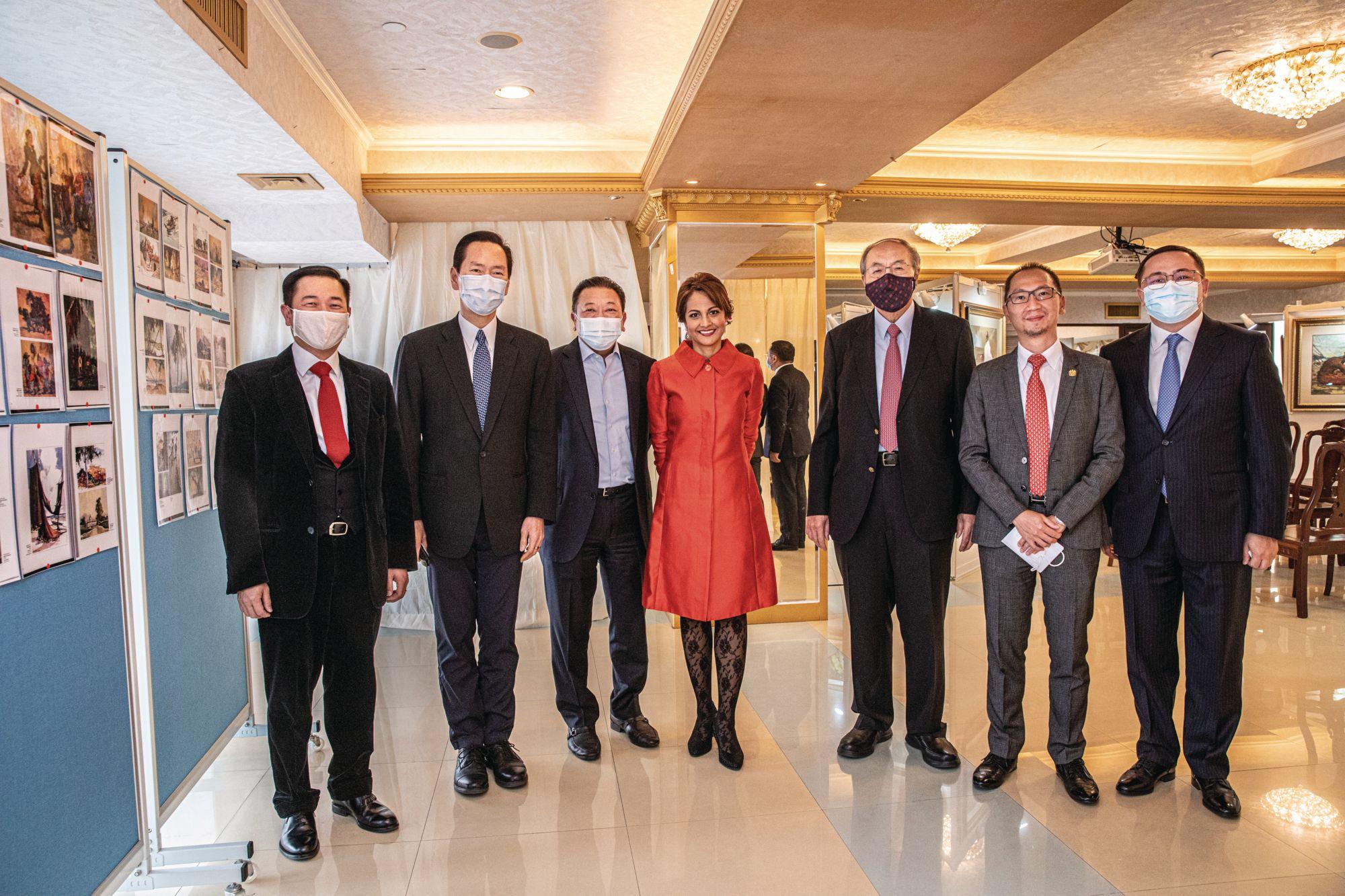 Saniza Othman And Michael Yong-Haron Open A Yong Mun Sen Exhibition