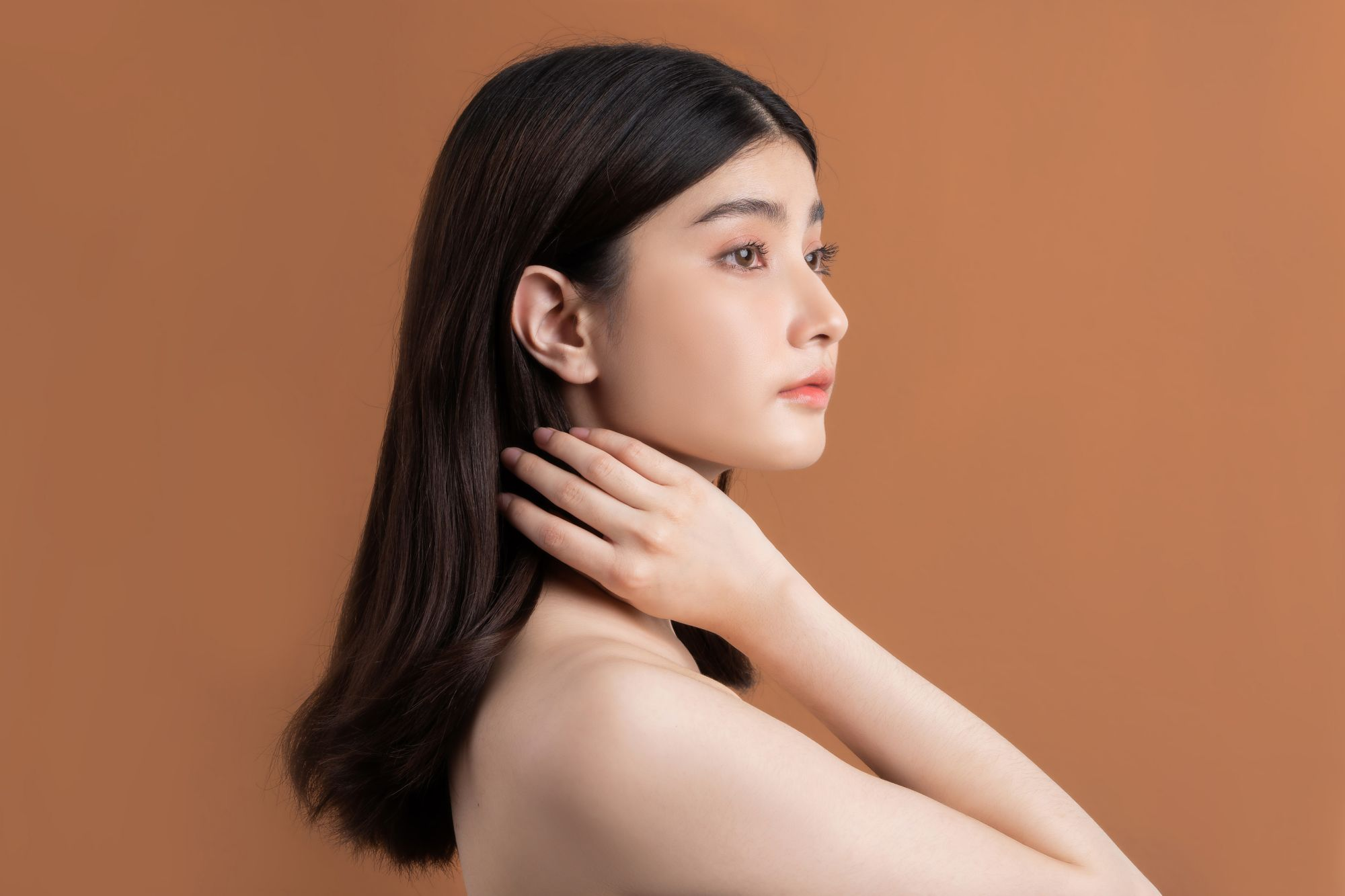 How To Care For Asian Hair In Hot And Humid Weather, According To Trichologist Andrea Clark