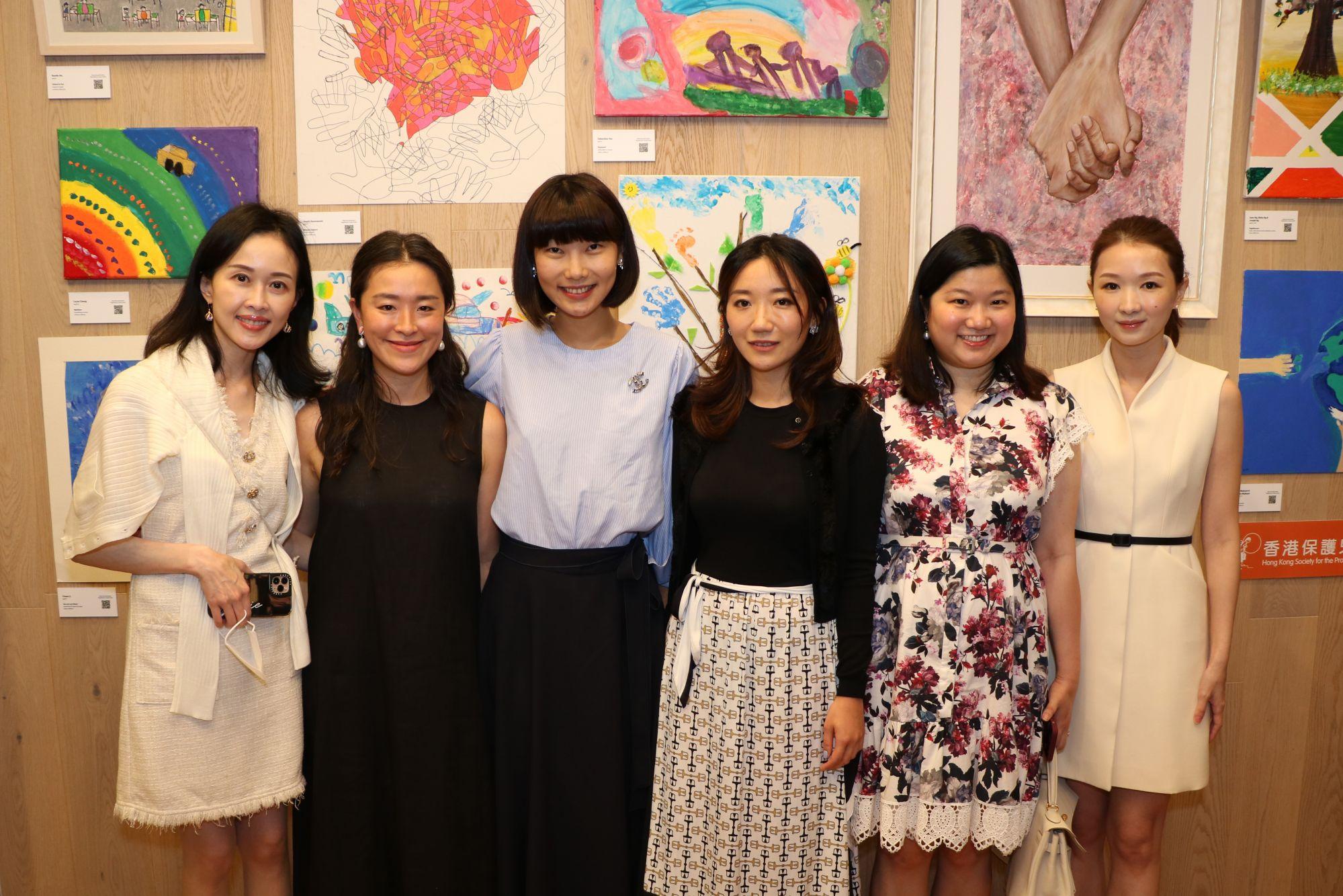 Jacqueline Chow, Katherine Kung, Nydia Zhang, Julia Liu, Carmen Choi and Claire Chen
