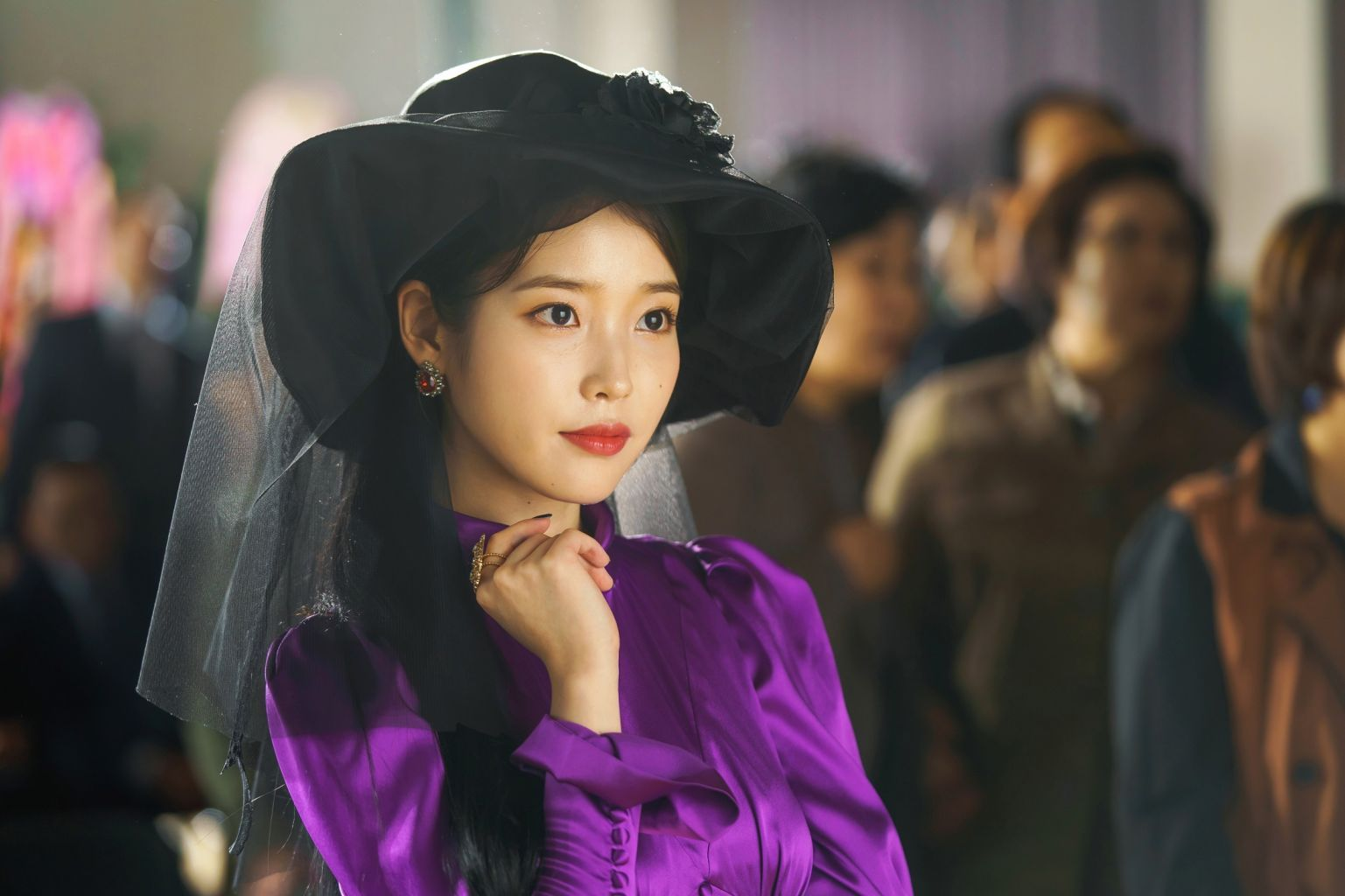 """IU emits video game heroine vibes for this look in """"Hotel del Luna"""" (Photo: tvN)"""