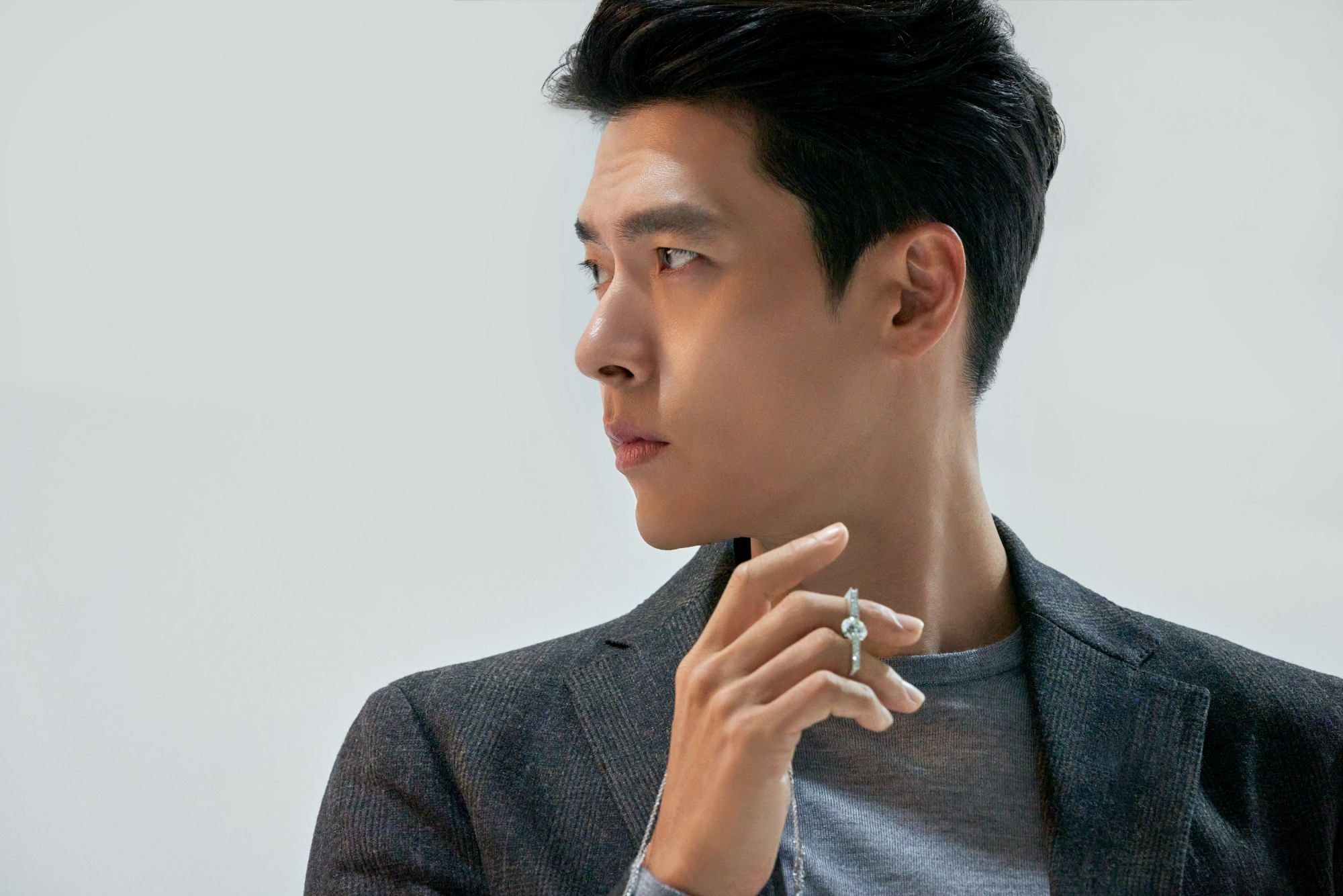 Hyun Bin collaborates with Chow Tai Fook for a special collection