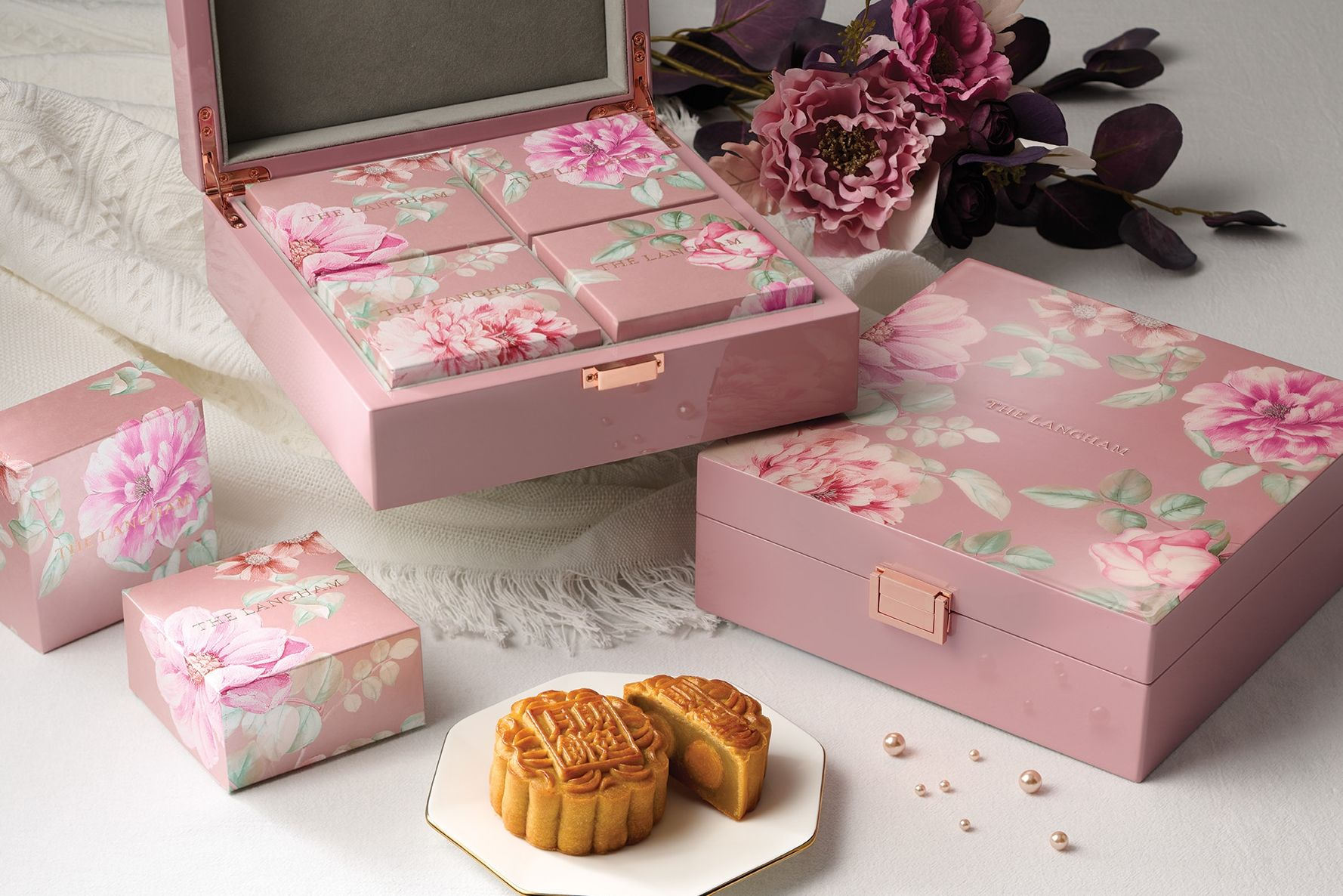 """The Langham Presents """"Moments In Bloom"""" Mooncakes"""