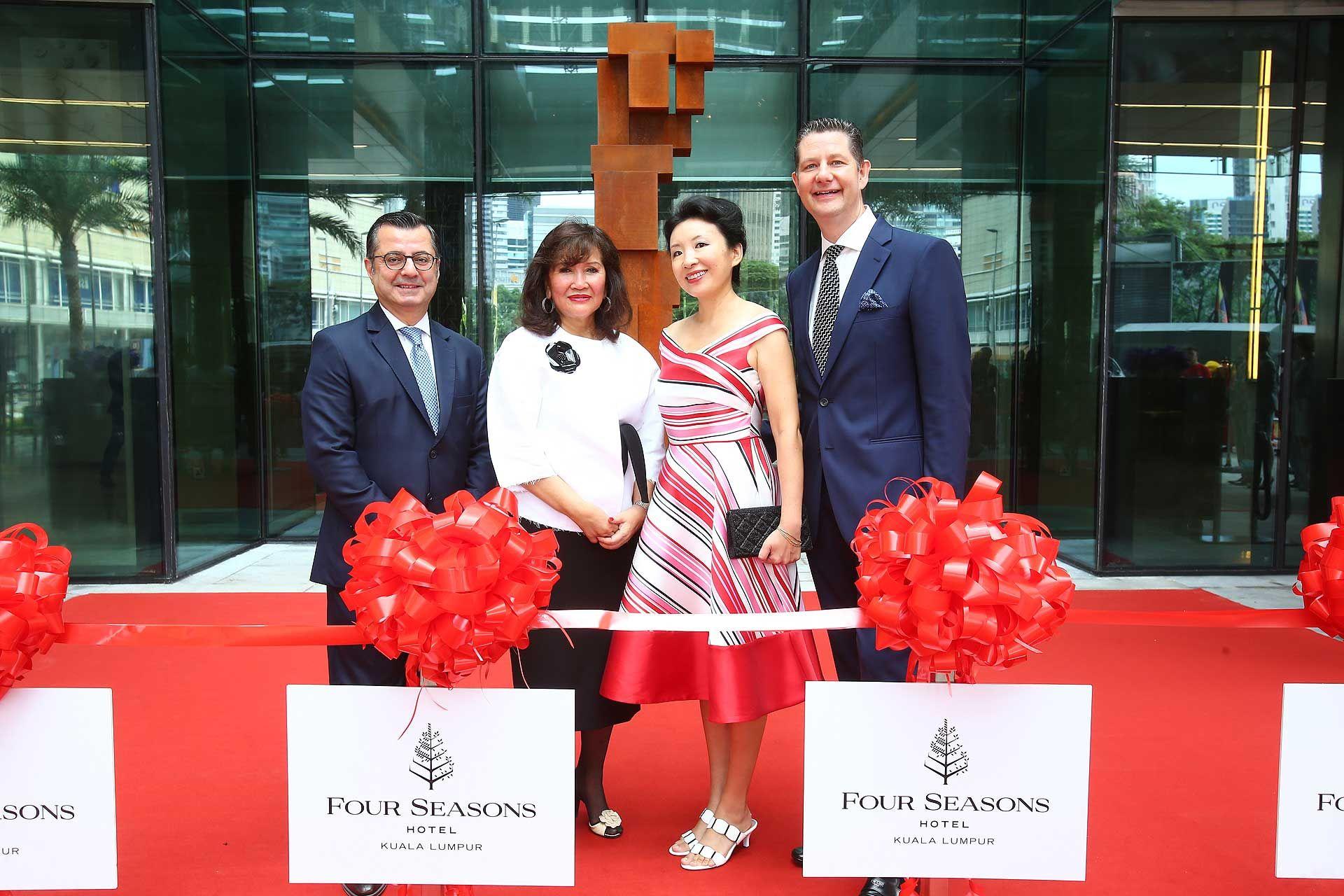 Antoine Chahwan, Dato' Rosemarie Wee, Sara Roelens and Tom Roelens