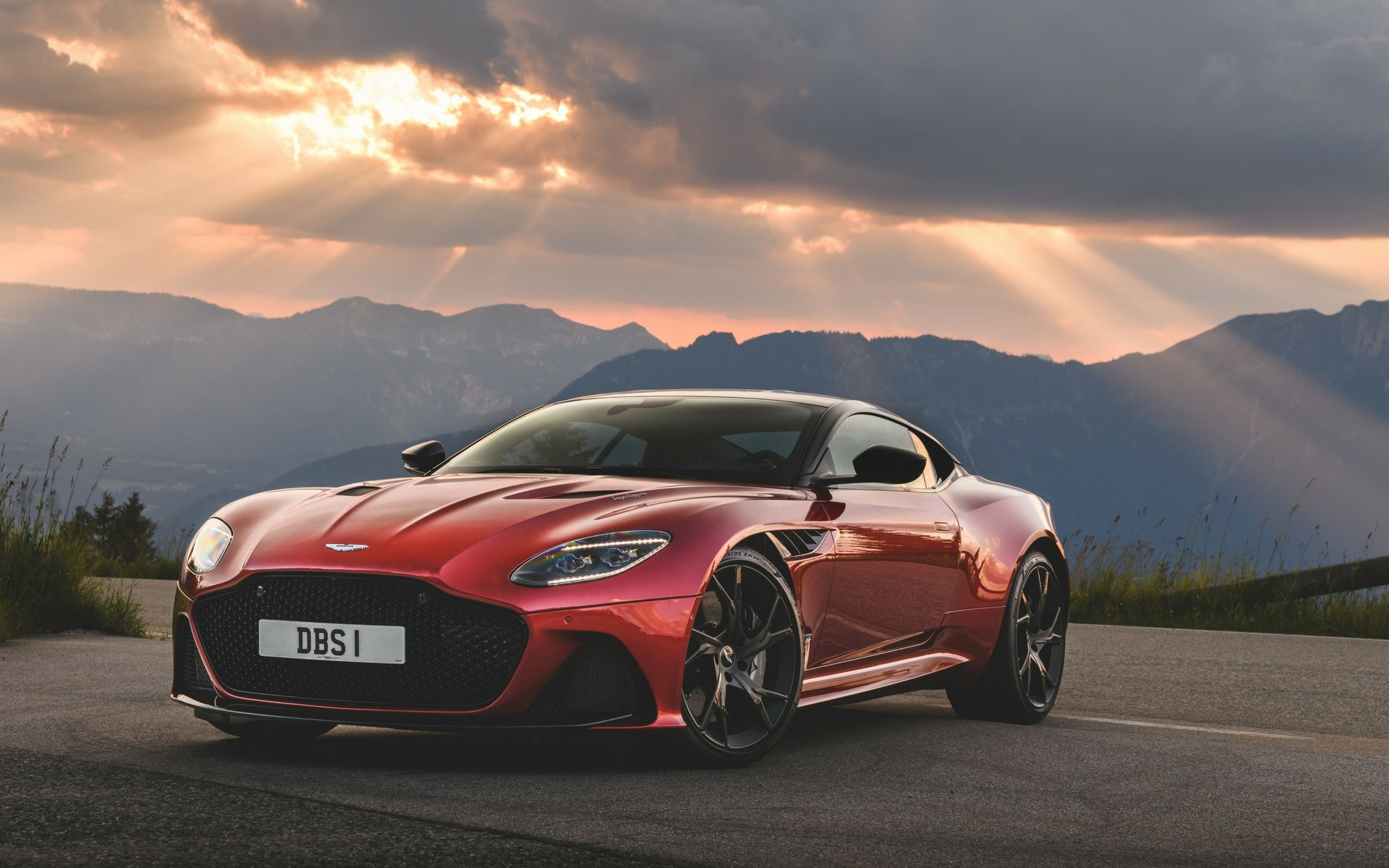5 Reasons The Aston Martin DBS Superleggera Should Be In Your Service