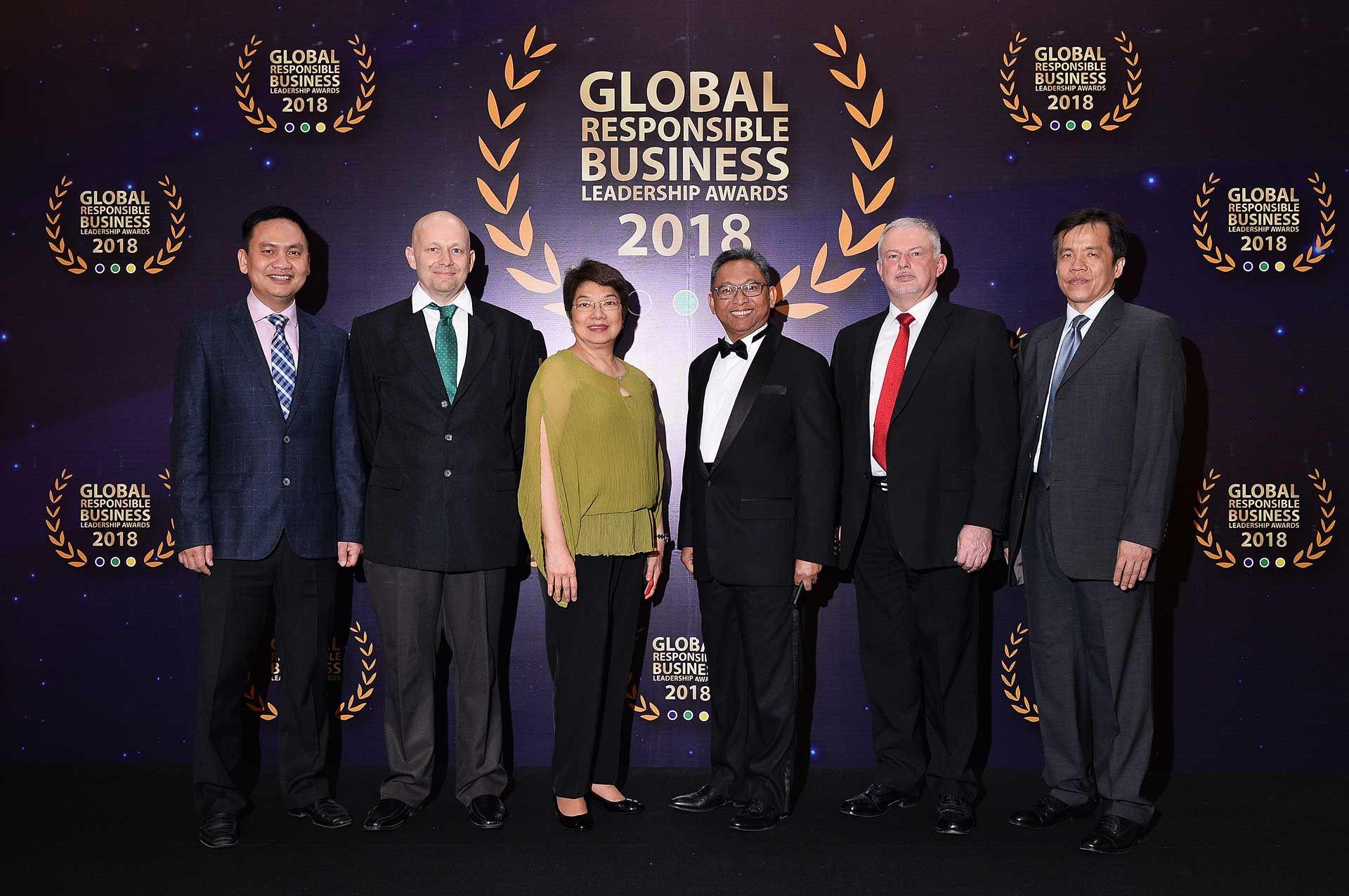 Nguyen Ho Nam, Matthias Gelber, Pacita U Juan, Dato' Azizul Kama Abdul Aziz, Andrew Todd and Johnson Ongking