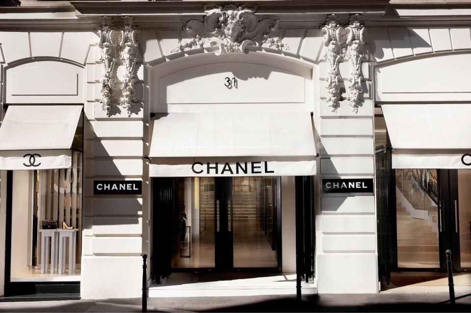 """Chanel & Farfetch Have Partnered To Create """"A Store Of The Future"""""""