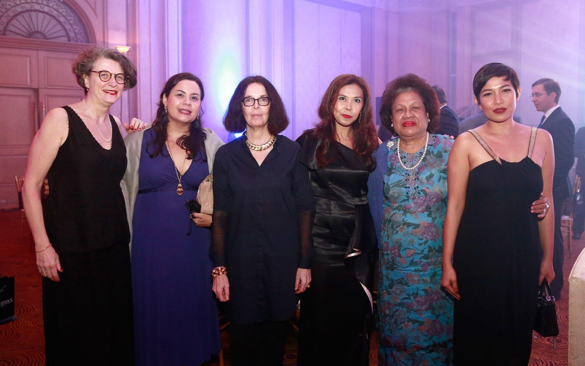Sophie Coublot, Farrah Vivien Roguet, Anne Deguerry, Zaherani Mathern, Zaharah Vraguet and Su Oliveres
