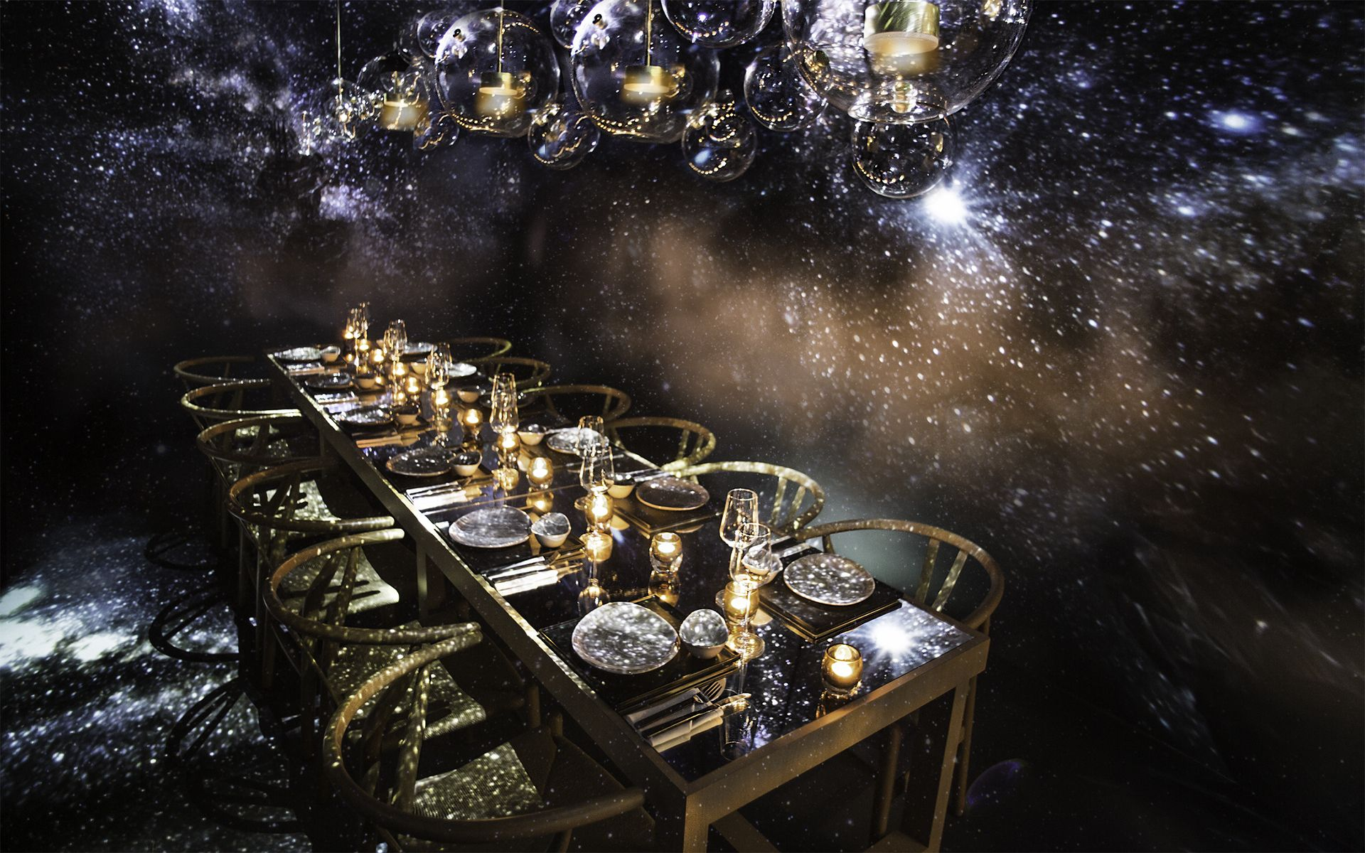 This Dining Experience Guarantees You'll 'Find Your Lucky Star' To Ring In The New Year