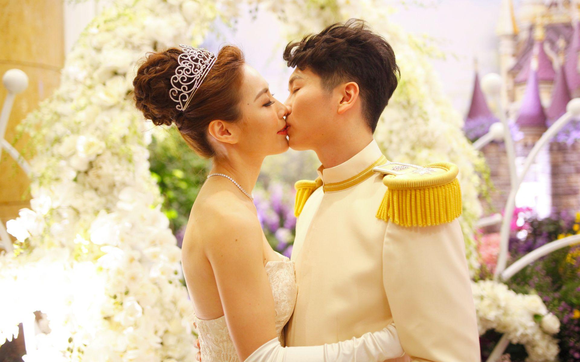 Enya Chen and Jim Tan