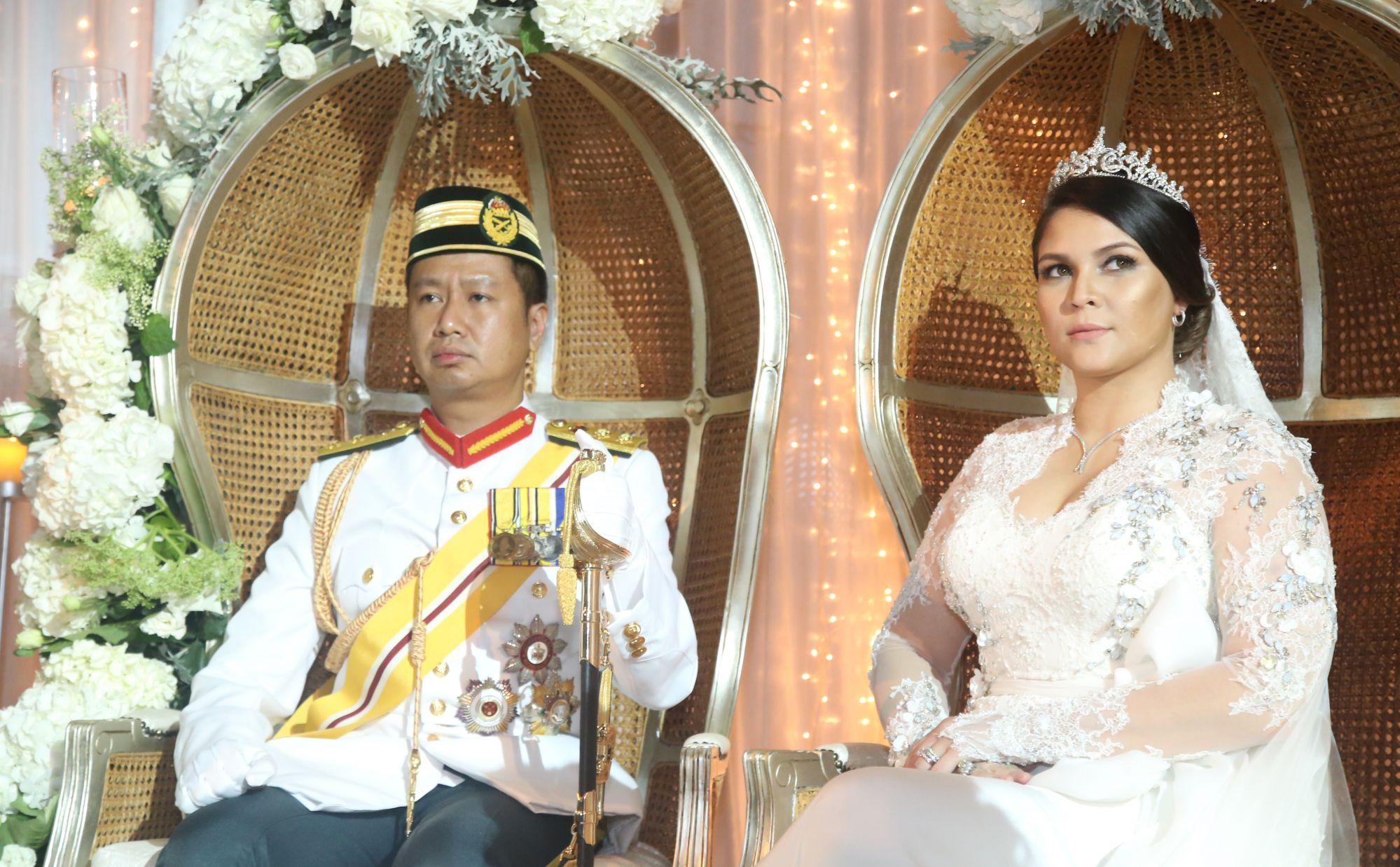 Dato' Seri Tengku Baharuddin Sultan Mahmud and Nabilah Khan