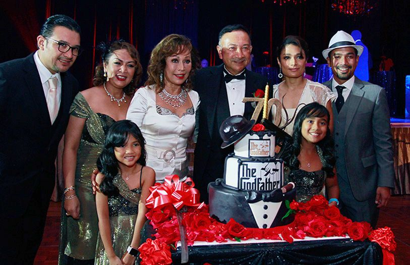 Tunku Naquiyuddin surrounded by his loving wife, children, daughter-in-law and grandchildren