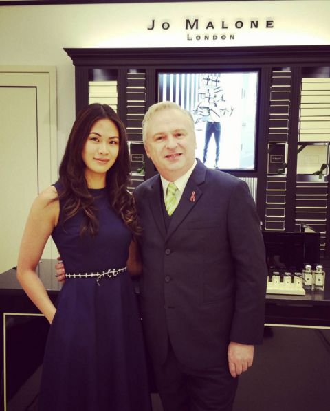 Dr. Andrea Lim was spotted with the MD of Estée Lauder Companies Malaysia, Paul Slavin. (Photo: @iamdrdrea)