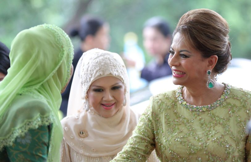 Toh Puan Suzanna with HRH Sultanah Kalsom