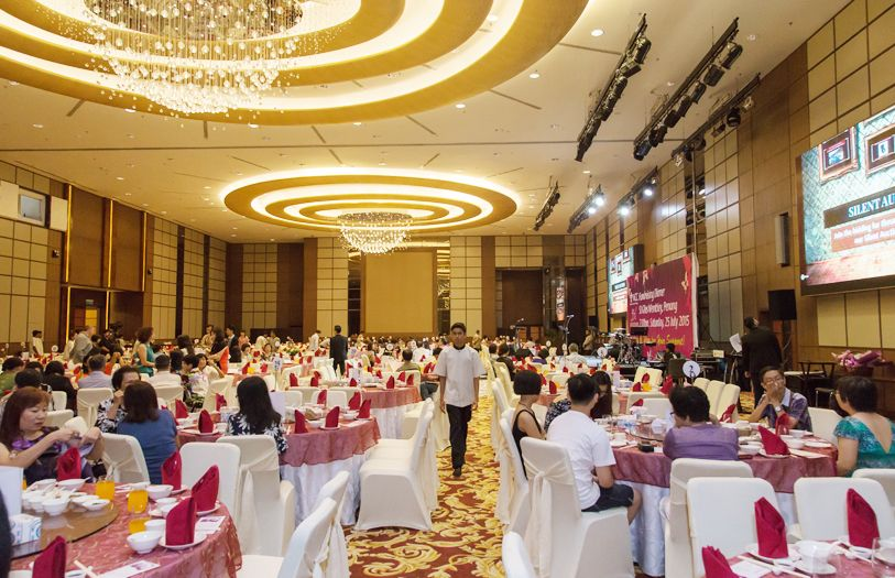 A dinner followed that also saw comedian Harith Iskander perform, who left guests in stitches at his jokes.
