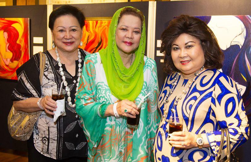 (L-R) Puan Sri Helen Low, Toh Puan Mahani and Datin Paduka Jamaiyah