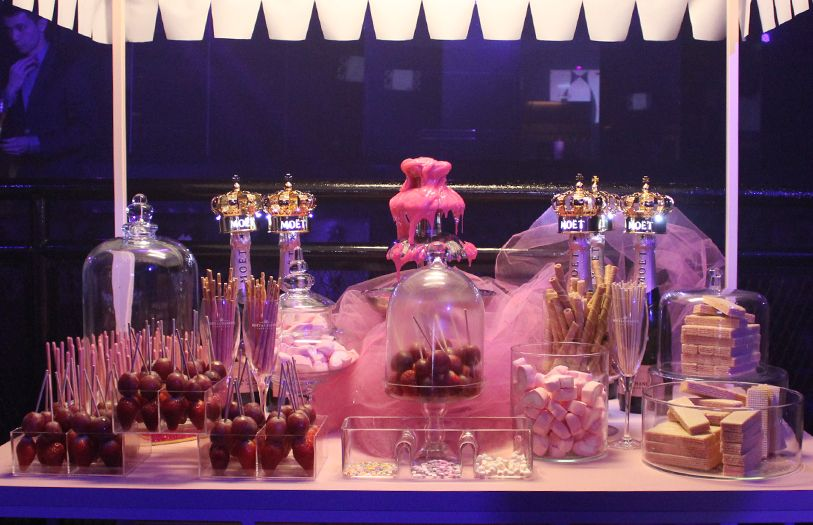 Delectable Moët & Chandon Rosé Impérial inspired snacks available that night.