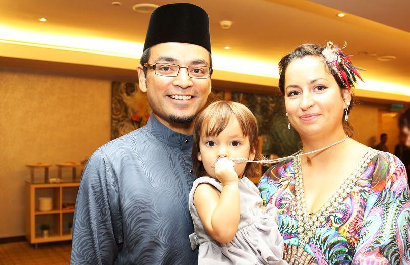 (L-R) Tunku Danny Mudzaffar, Tunku Gabriella Amiera Mudzaffar and Che Puan Claire Moore