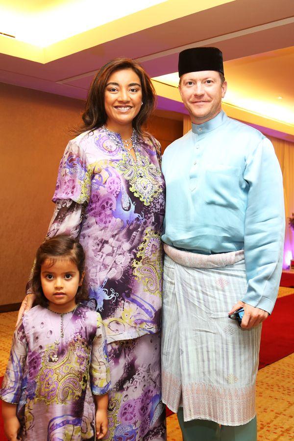 (L-R) Puteri Tahlia Jaafar-Greaves, Tunku Datin Myra Madihah and Dato' James Iskandar Jaafar-Greaves