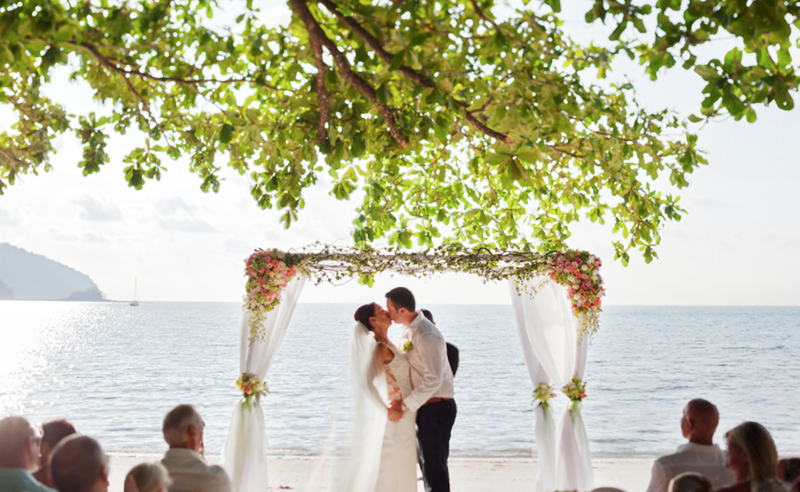 5 venues for a sand-between-your-toes beach wedding