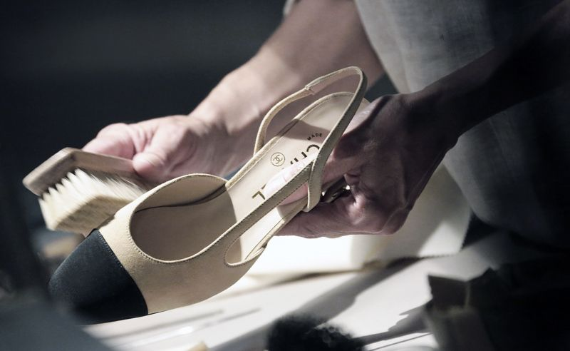 Chanel two-tone shoes: Evolution