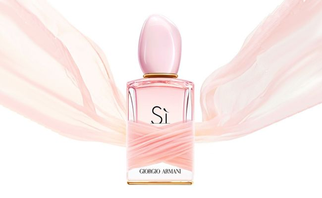 Take By Light 2015 Si Armani Floral Giorgio And On Note In Spring To c5R3A4jLq