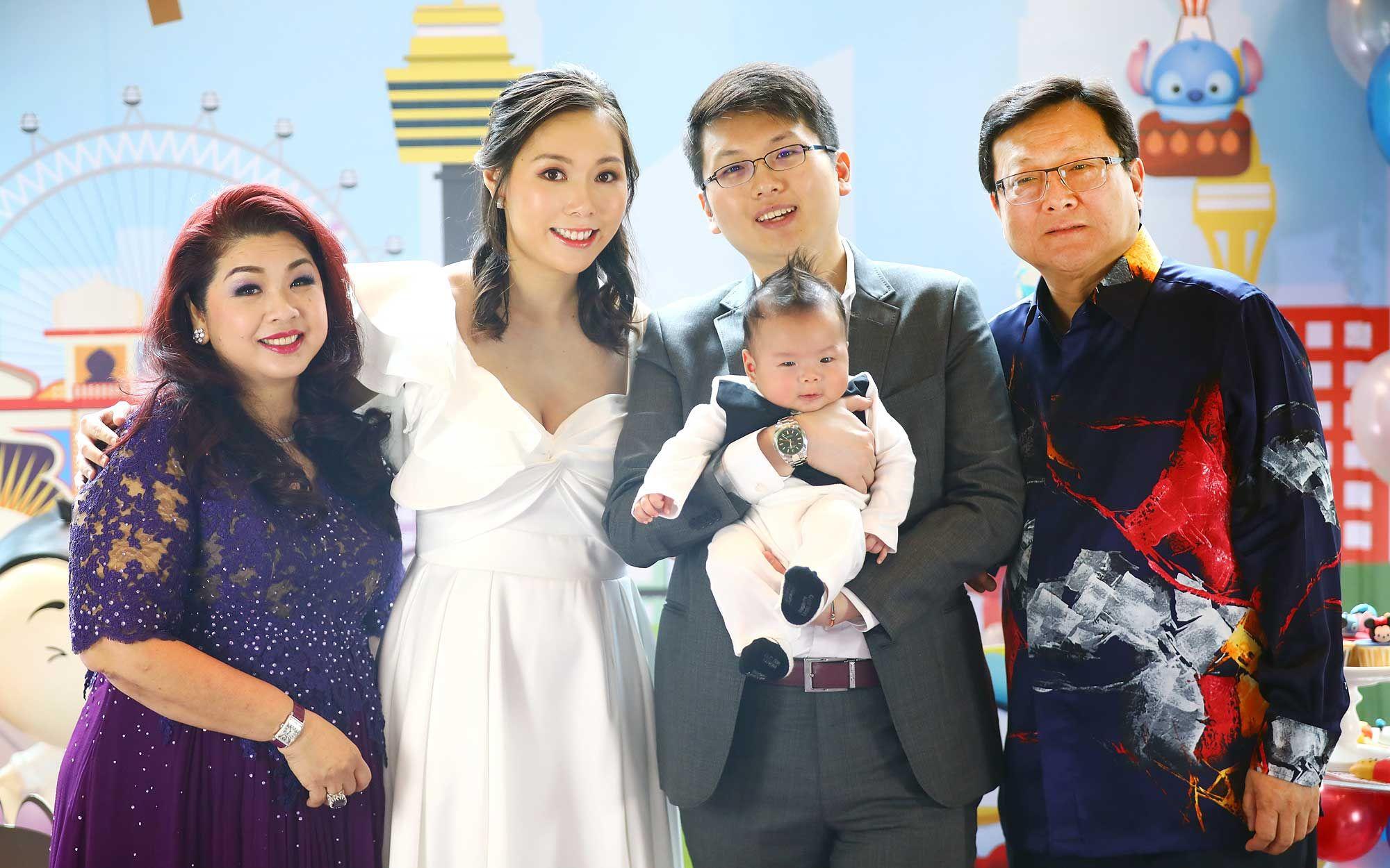 Puan Sri Shirley Law, Enya Chen, Jim Tan and Tan Sri Tan Kean Soon with Evan Tan