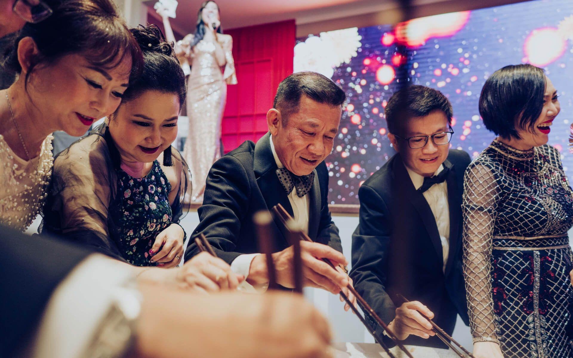 Wong Man Ling, Patricia Kwan, YY Kwan, Wilson Guan and Franscine Low