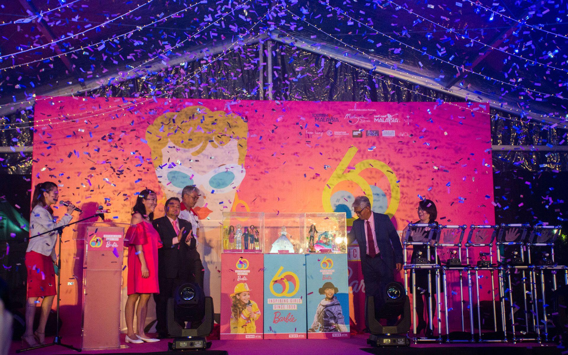 Choo Mei Sze, Christine Chan, Dato' Dr Ammar Abd Ghapar, Datuk Rozlan Mohamed, Zulkifly Md Said and Michelle Wan