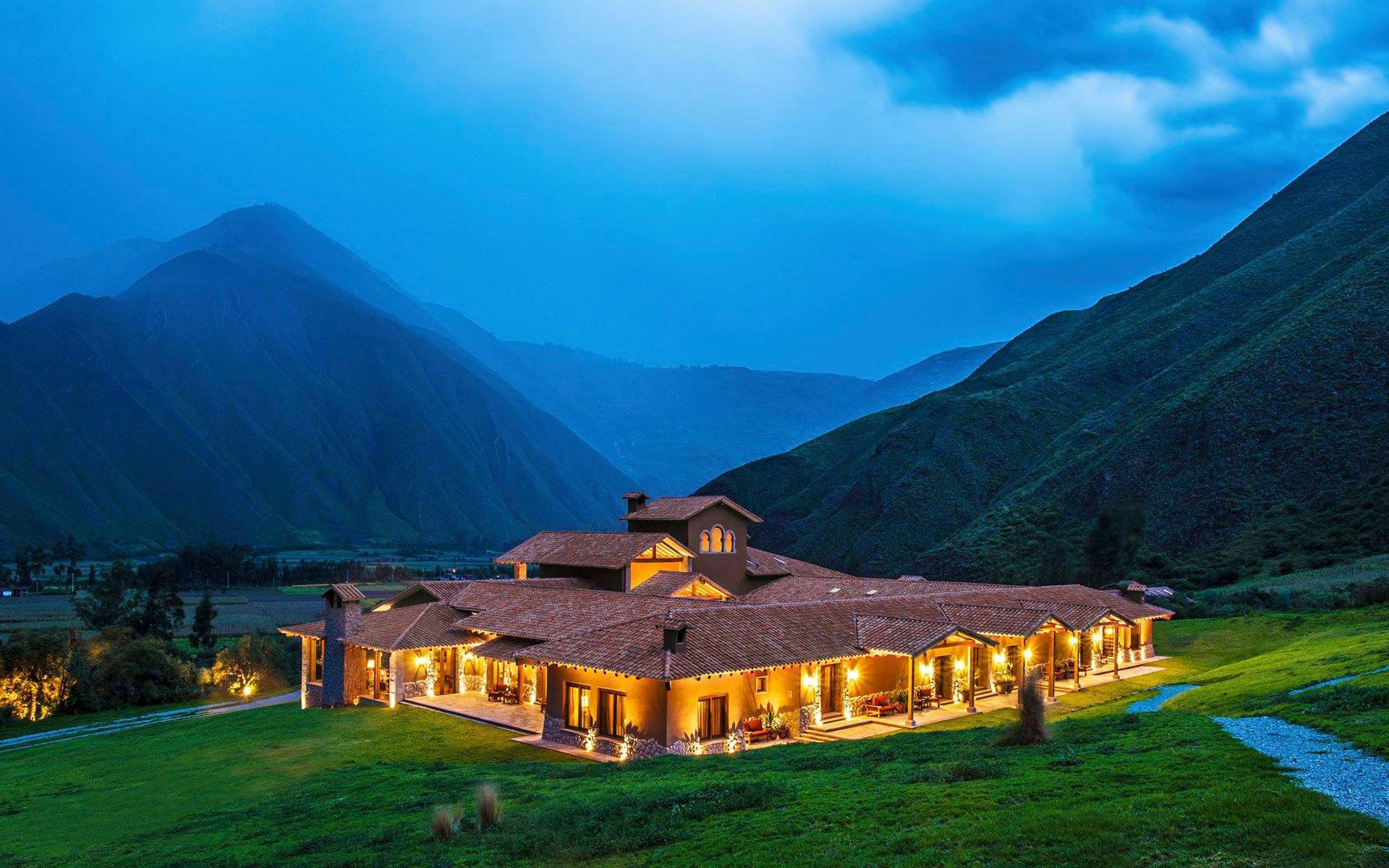 Eco-Friendly Hotels To Dine & Unwind For Earth Hour This Year